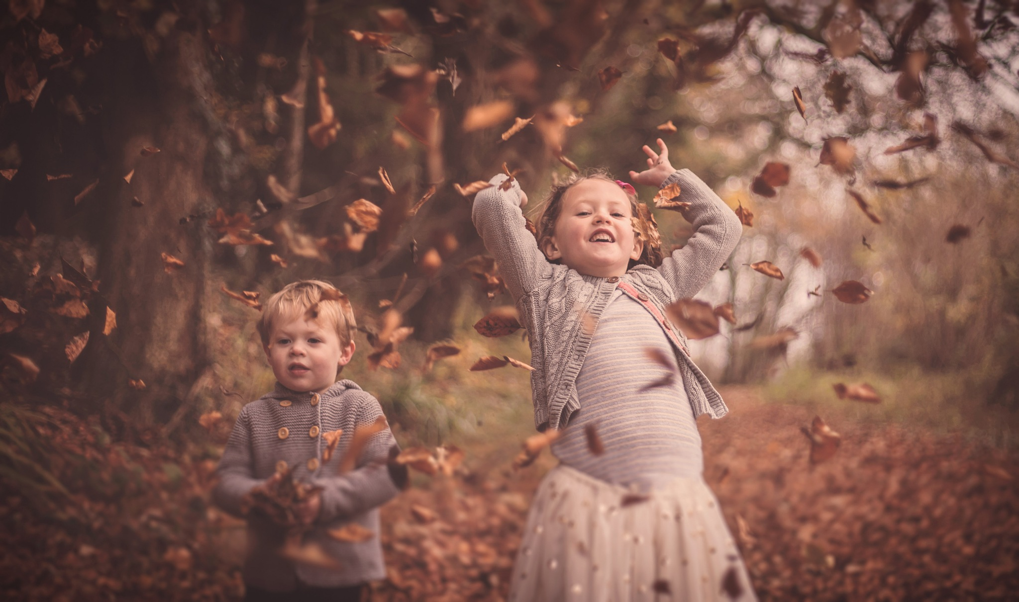 Playing with leaves by Simon Emmett Photography