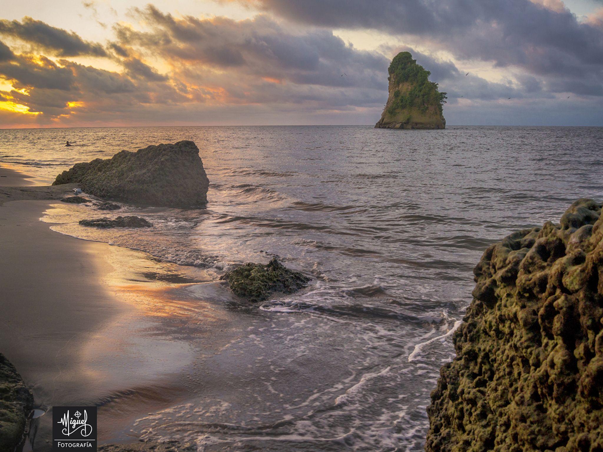 El Morro, Tumaco - Nariño by Miguel Lopez