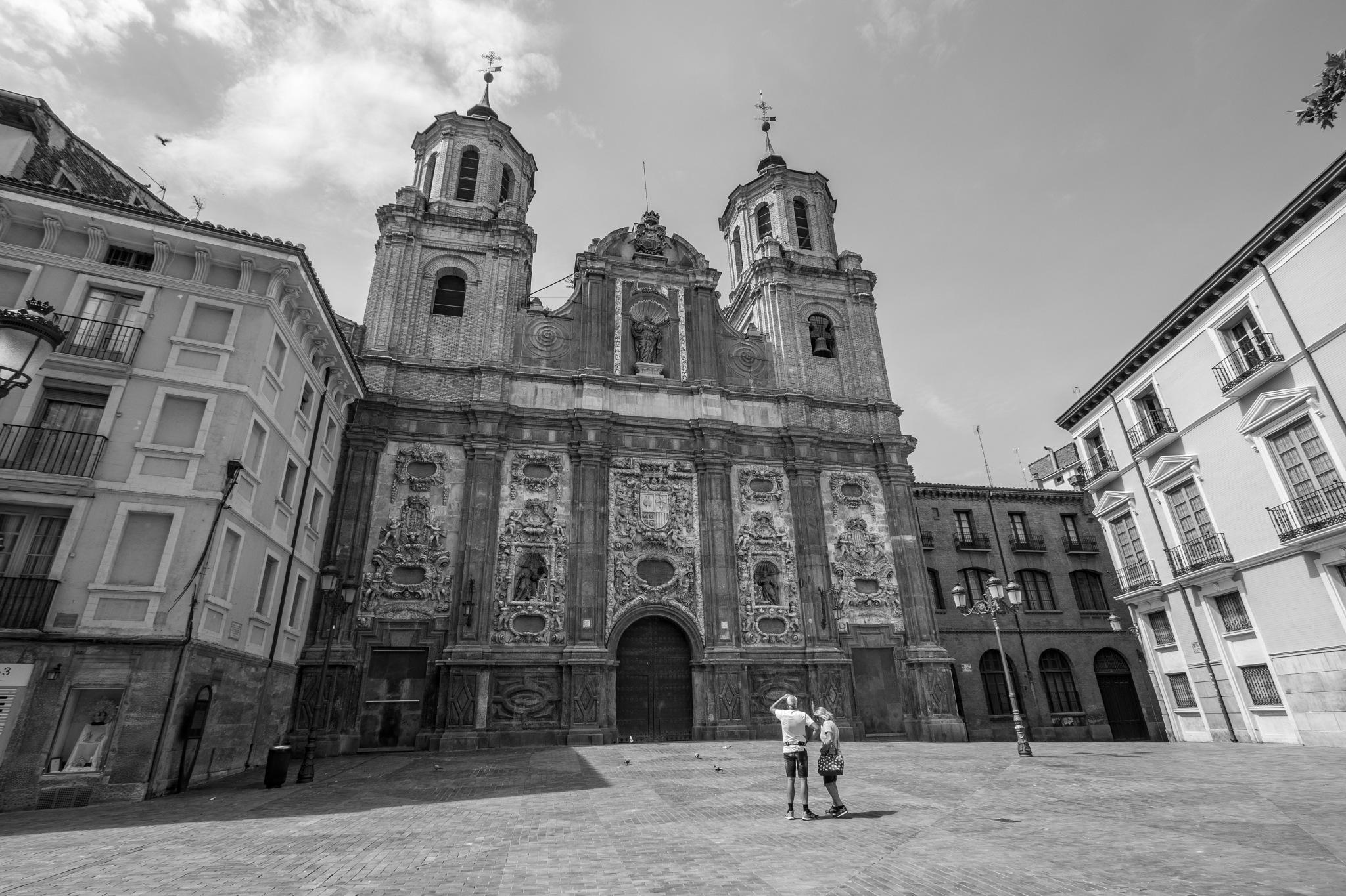Iglesia de Santa Isabel de Portugal by Fernando Yanguas Morera
