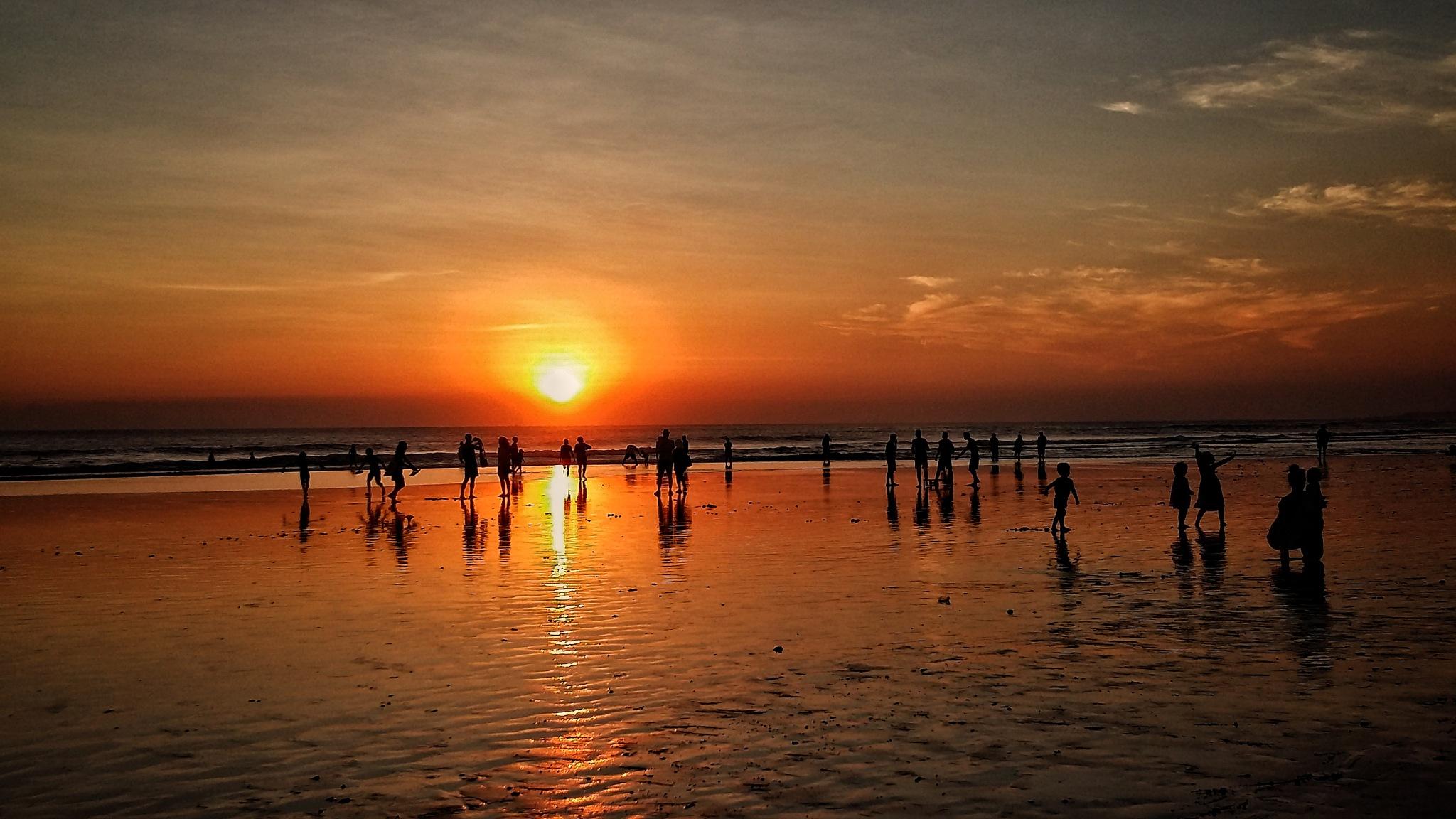 bali sunset by Vita Dewi Aprilia