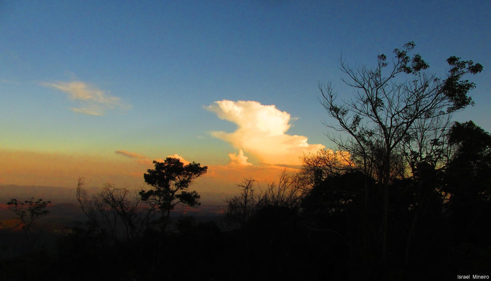 Cloud by Israel Gomes