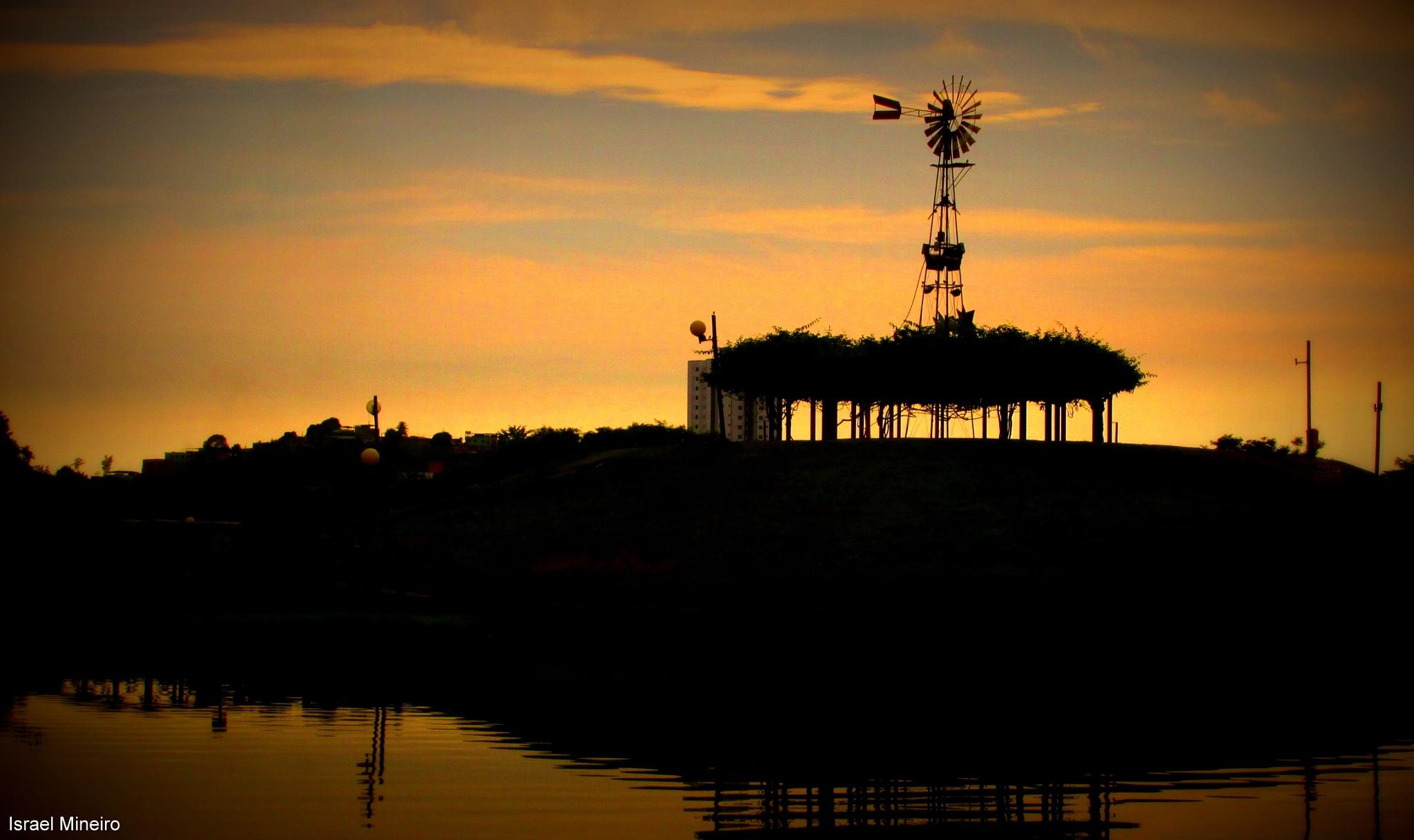 Crepúsculo by Israel Gomes