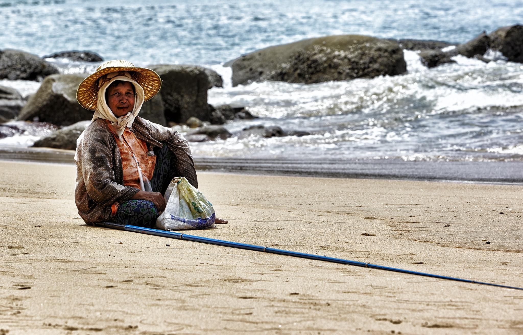 thaiwoman by Frank Rossbach