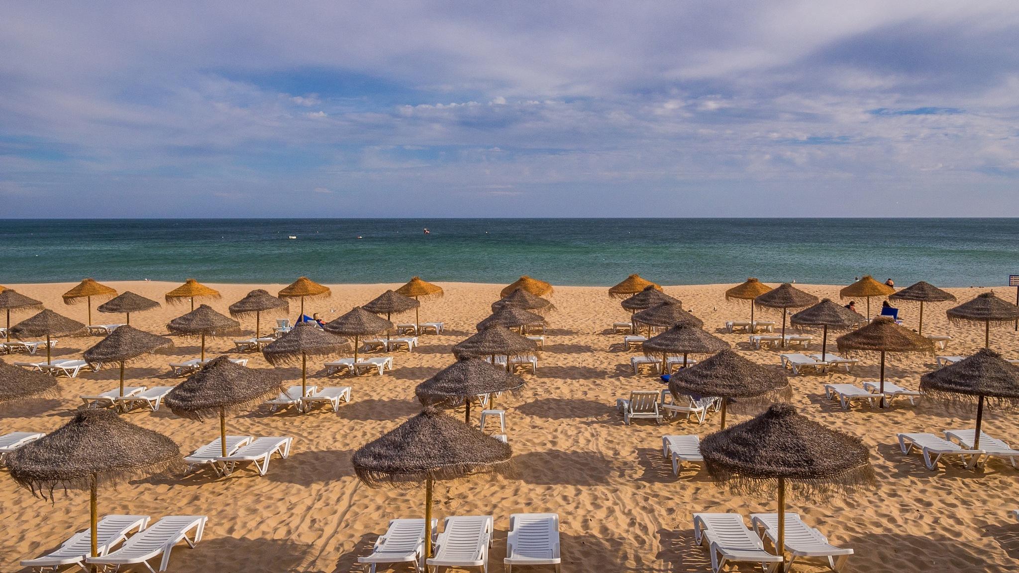 The beach by Tomasz Banasiak