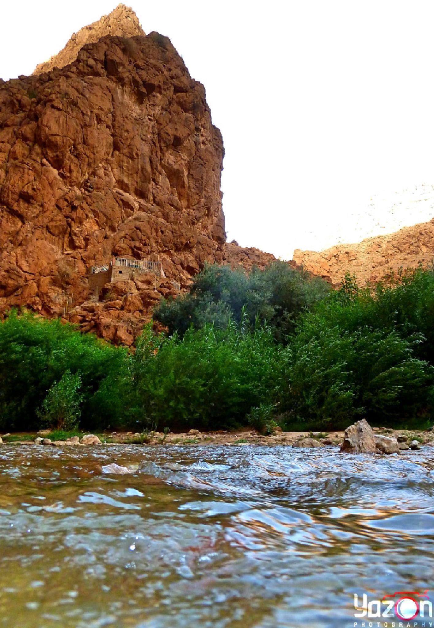 Todgha River by Yazoń