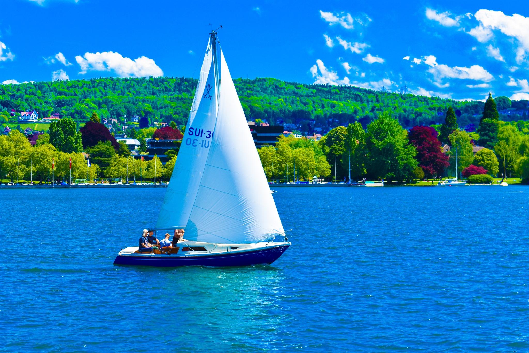 boat  by elecsabah