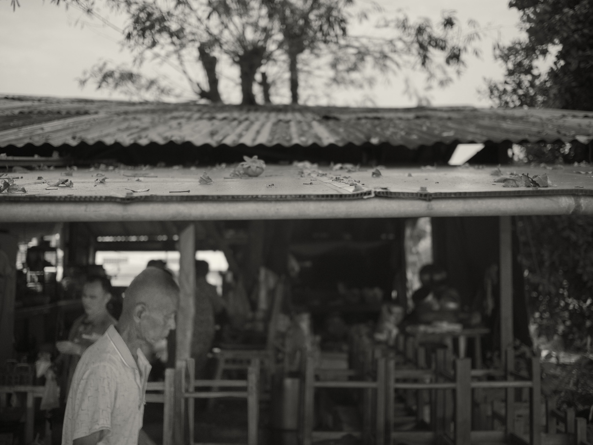 Cha Cheung Sao- past the outdoor dining by TonyG