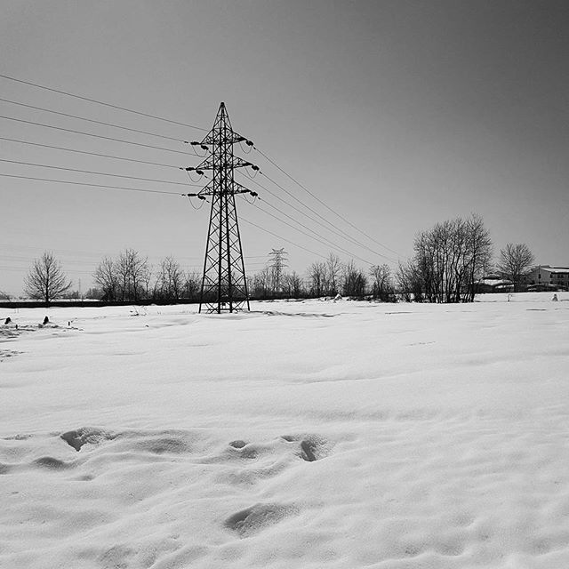 snow by taherikambiz