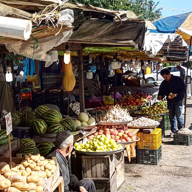 Local market by taherikambiz