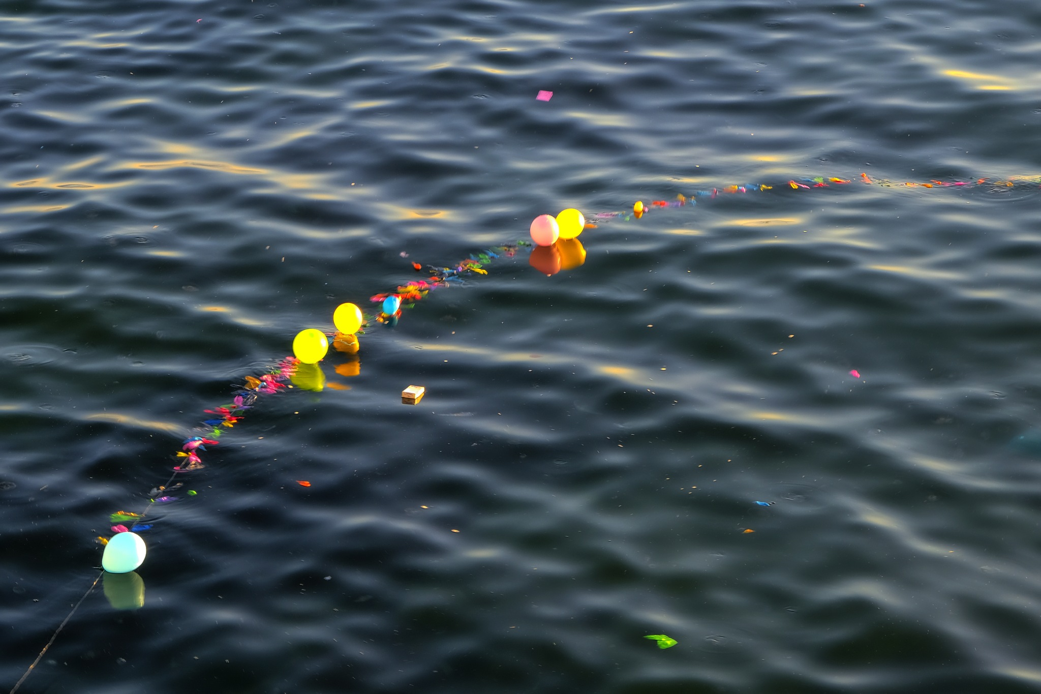 balloons on the sea by Muhsin Özcan
