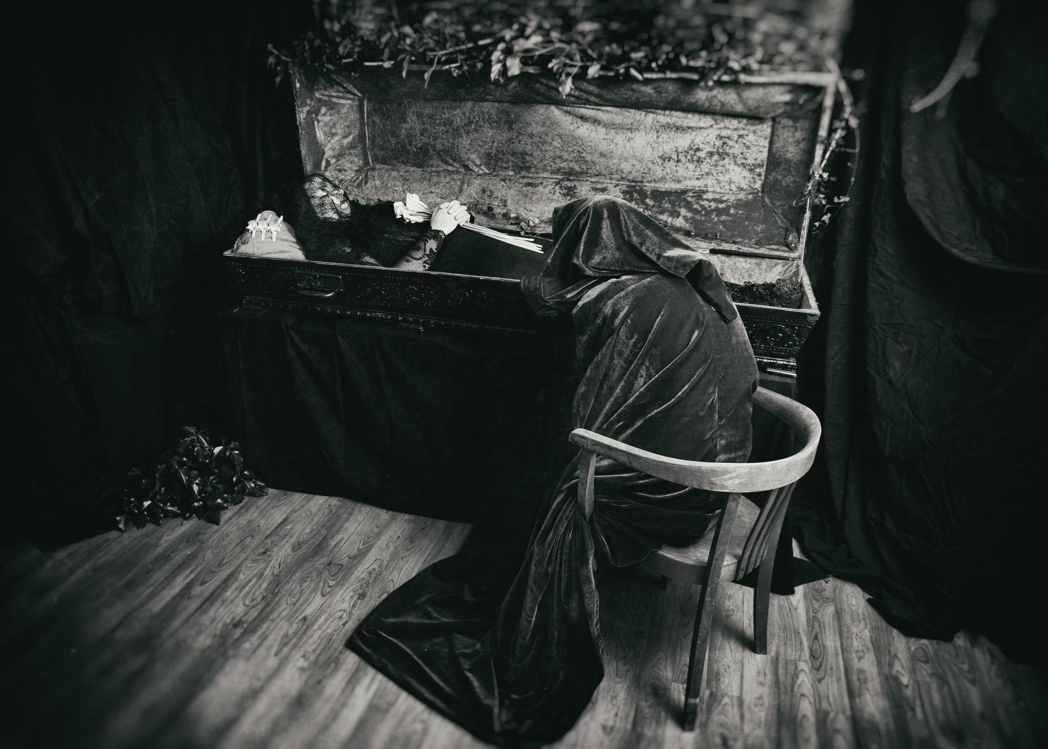 Memento Mori by Sebastian Freitag