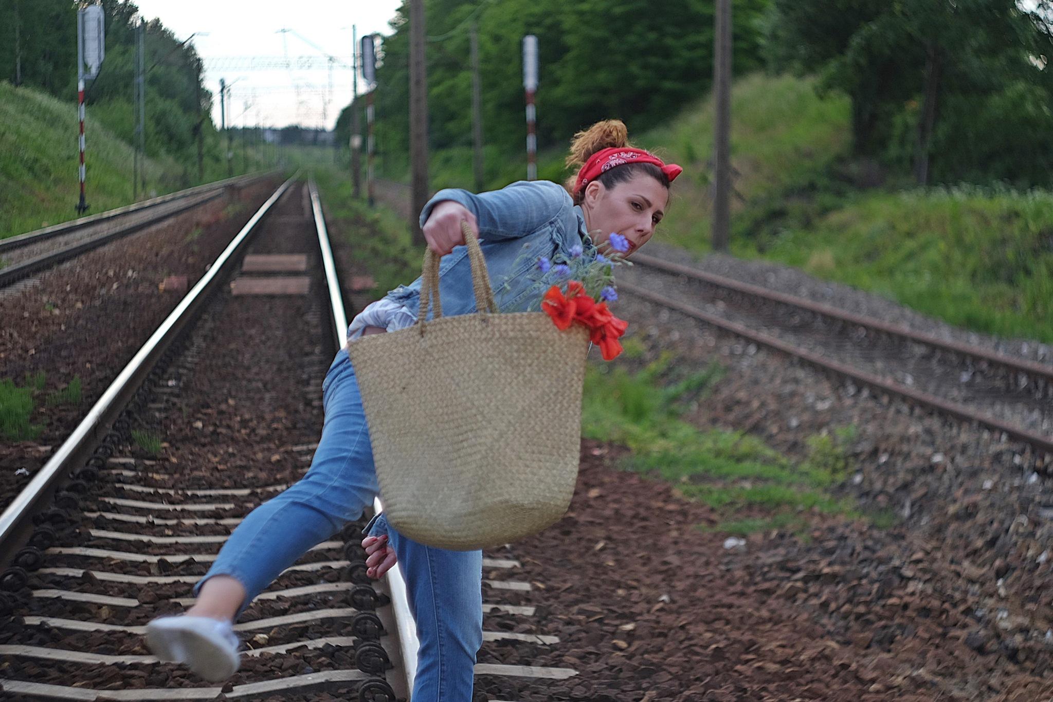 On the go... by lanuka