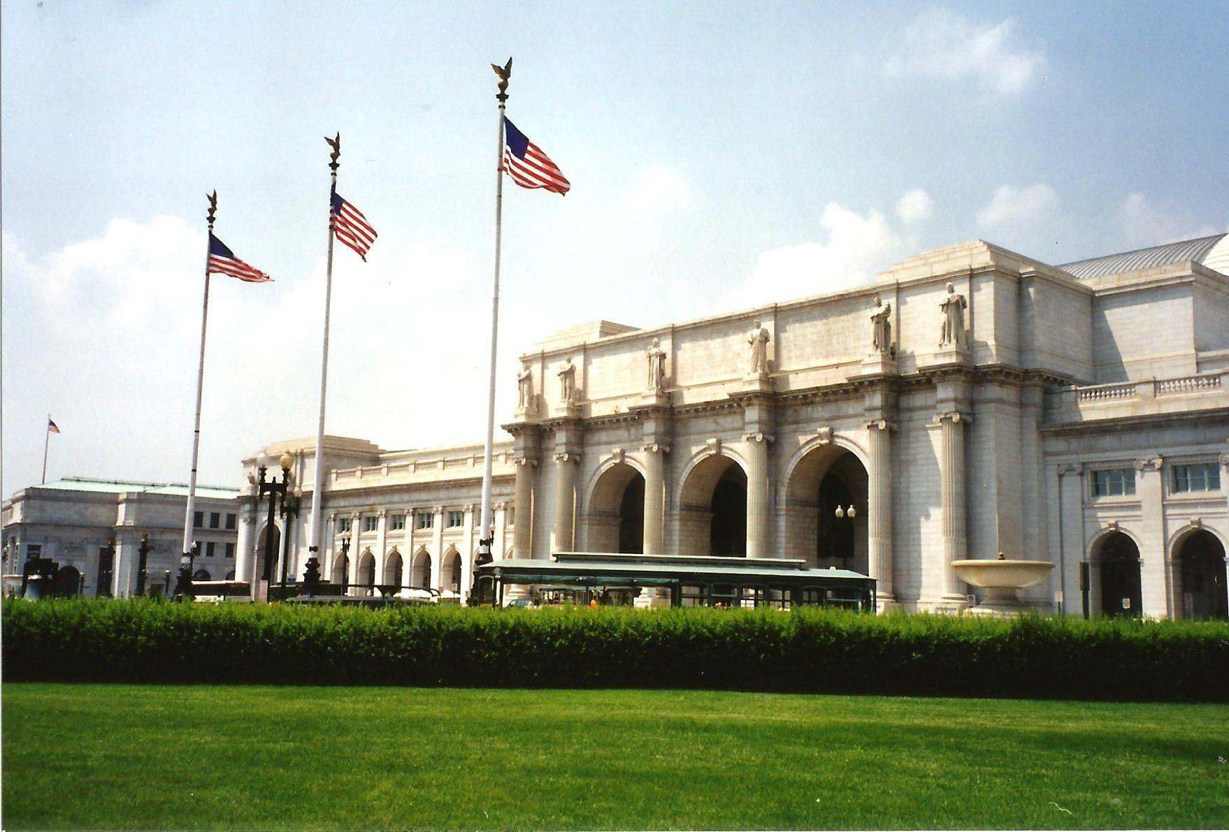 WASHINGTON'S UNION STATION by Hope Atwood Dayhoff