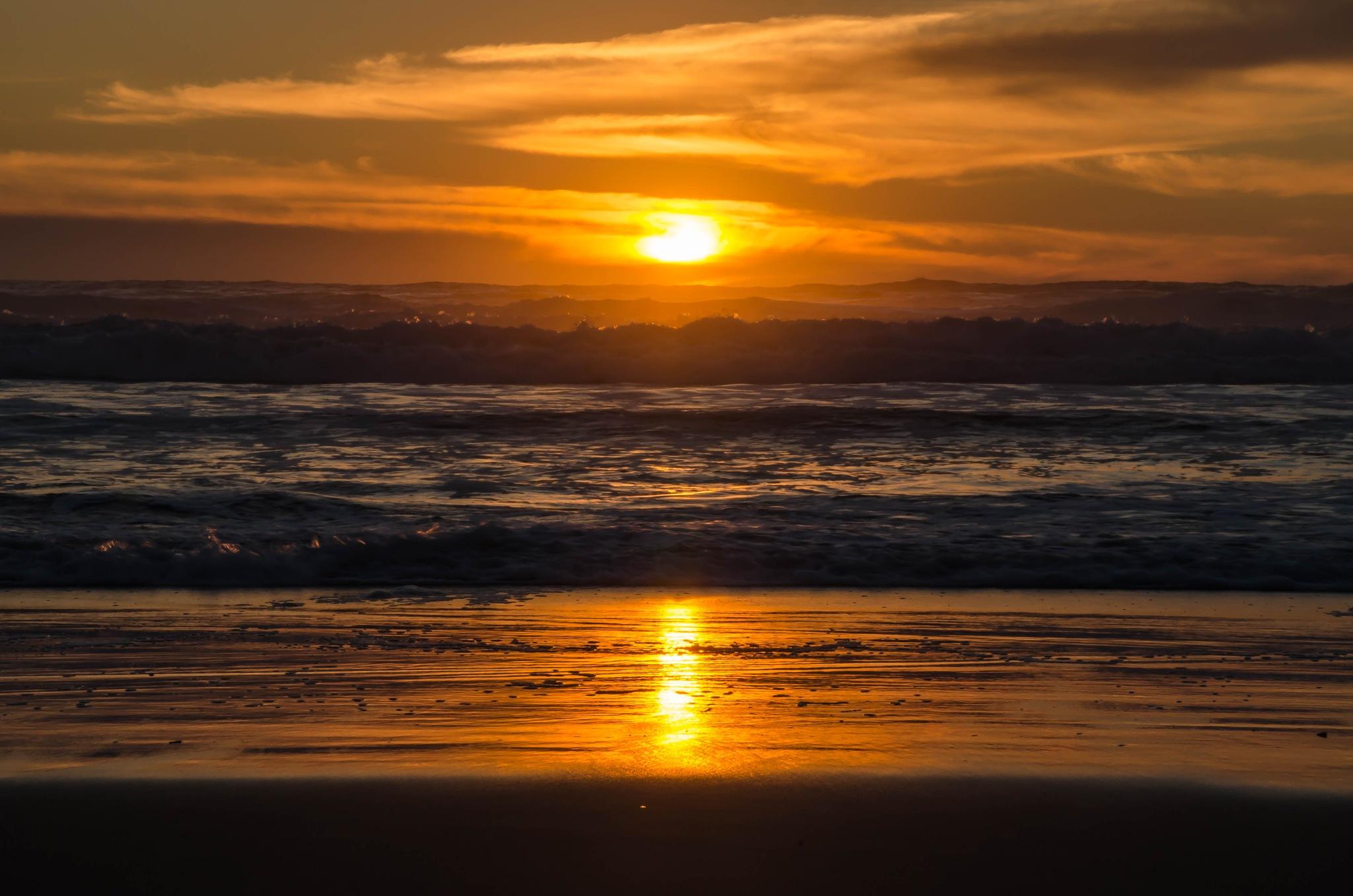 Sunset Biscarrosse Plage by Gilles Stastny