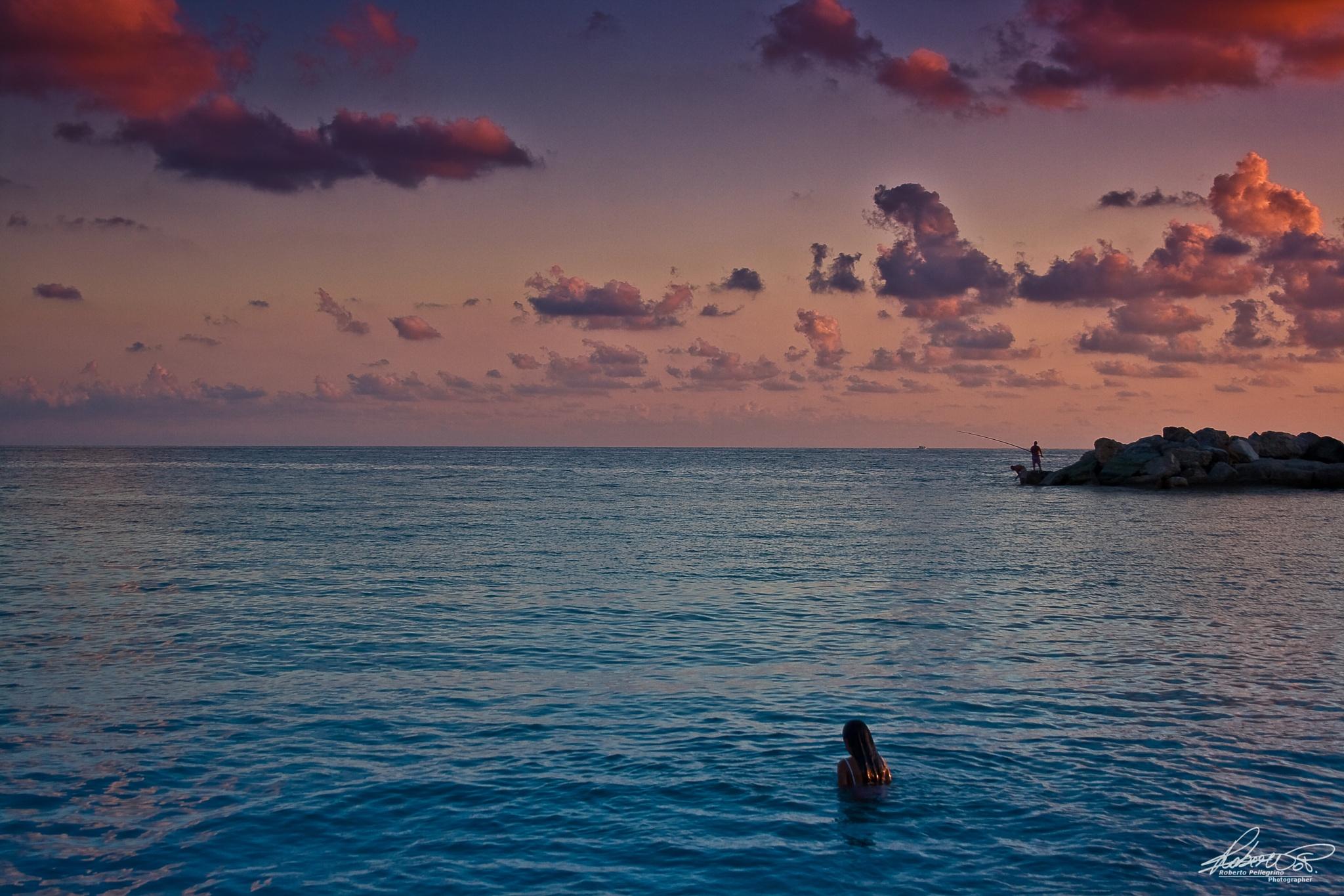 Sea on sunset by Roberto Pellegrino
