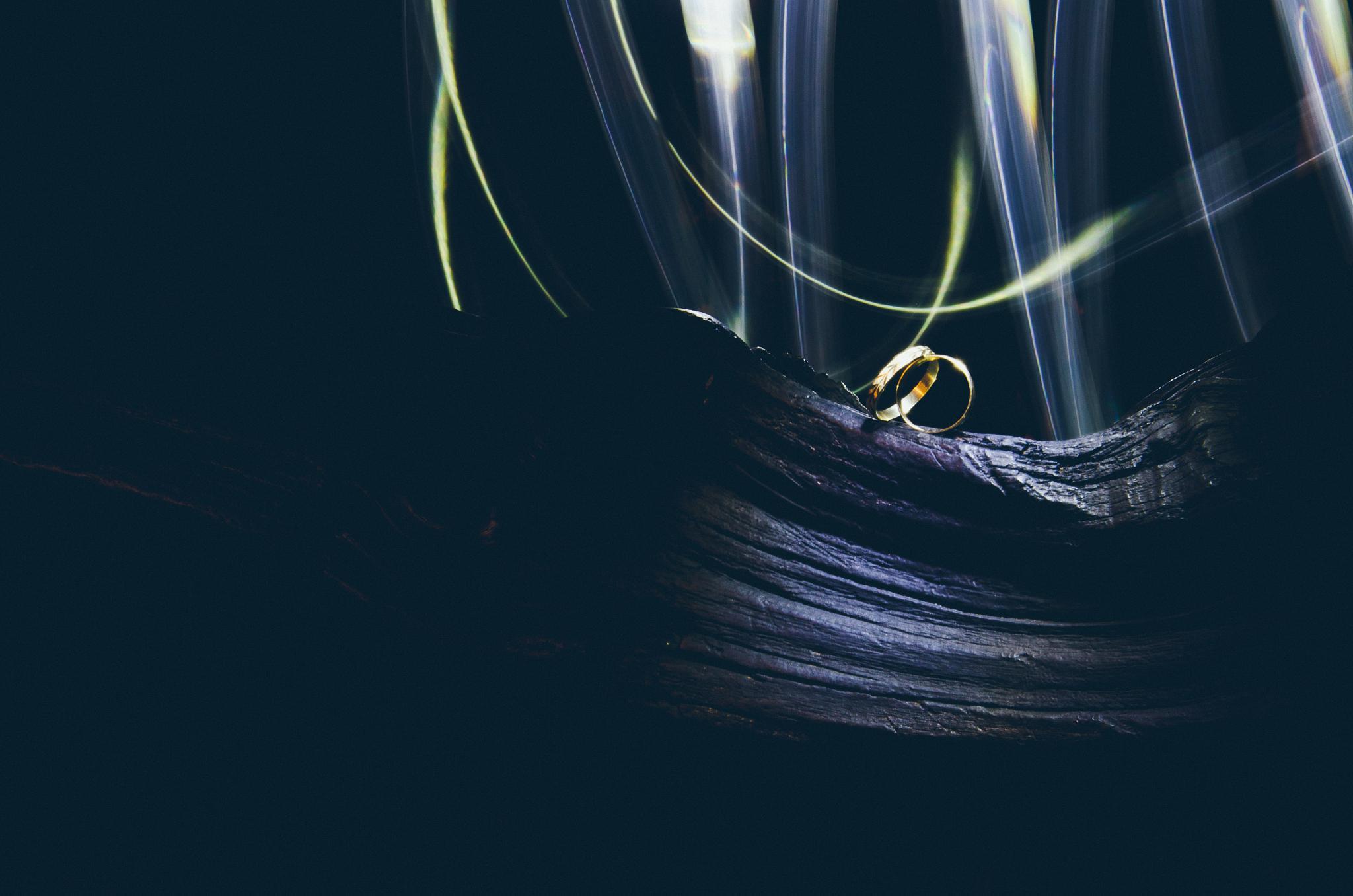 Rings on Lightpaint by Leonardo França