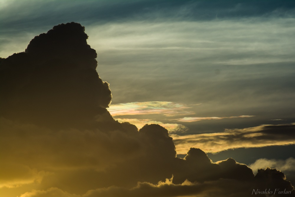 Iridescent Cloud by Nivaldo Furlan