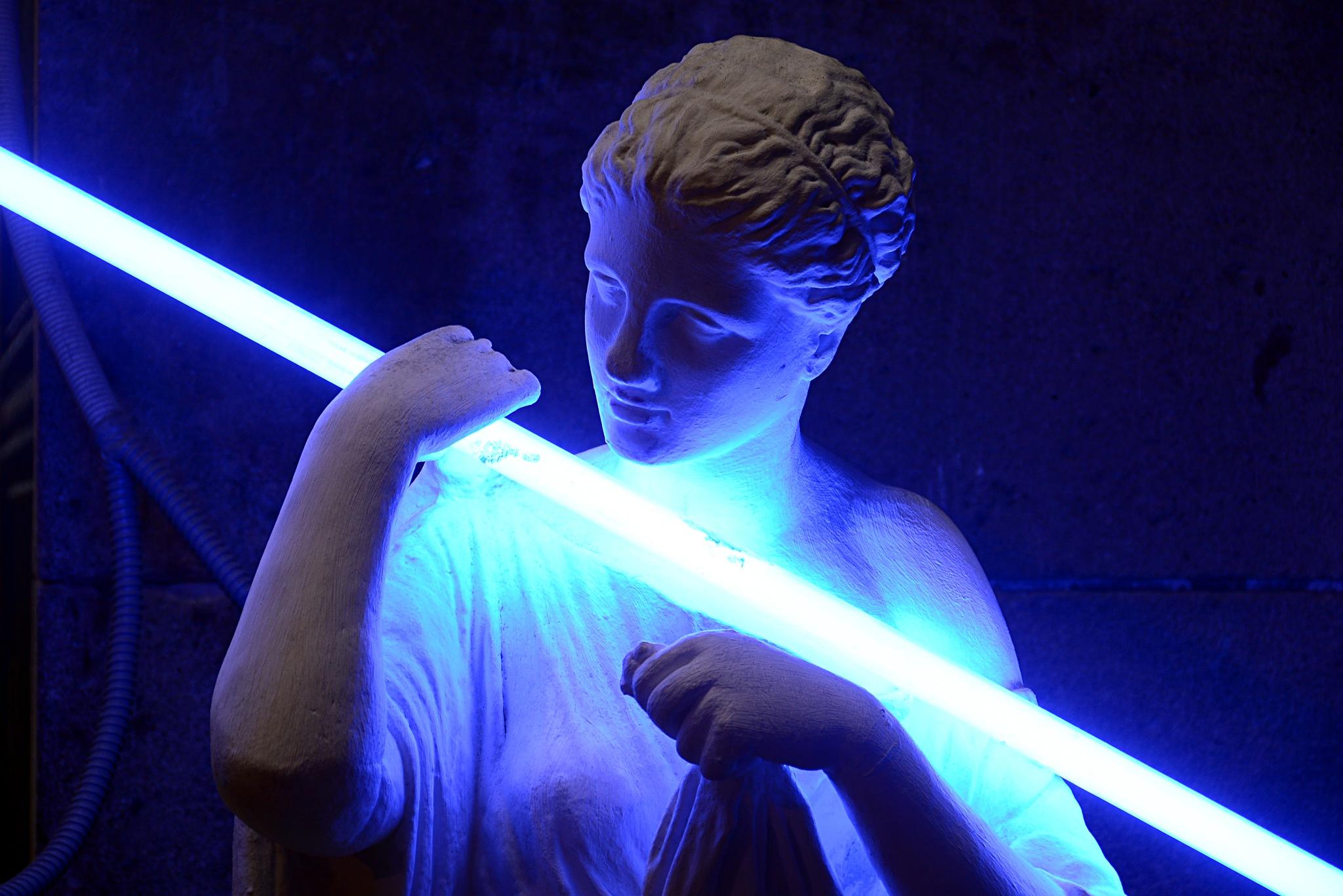 Fluorescent by Josep Vallès