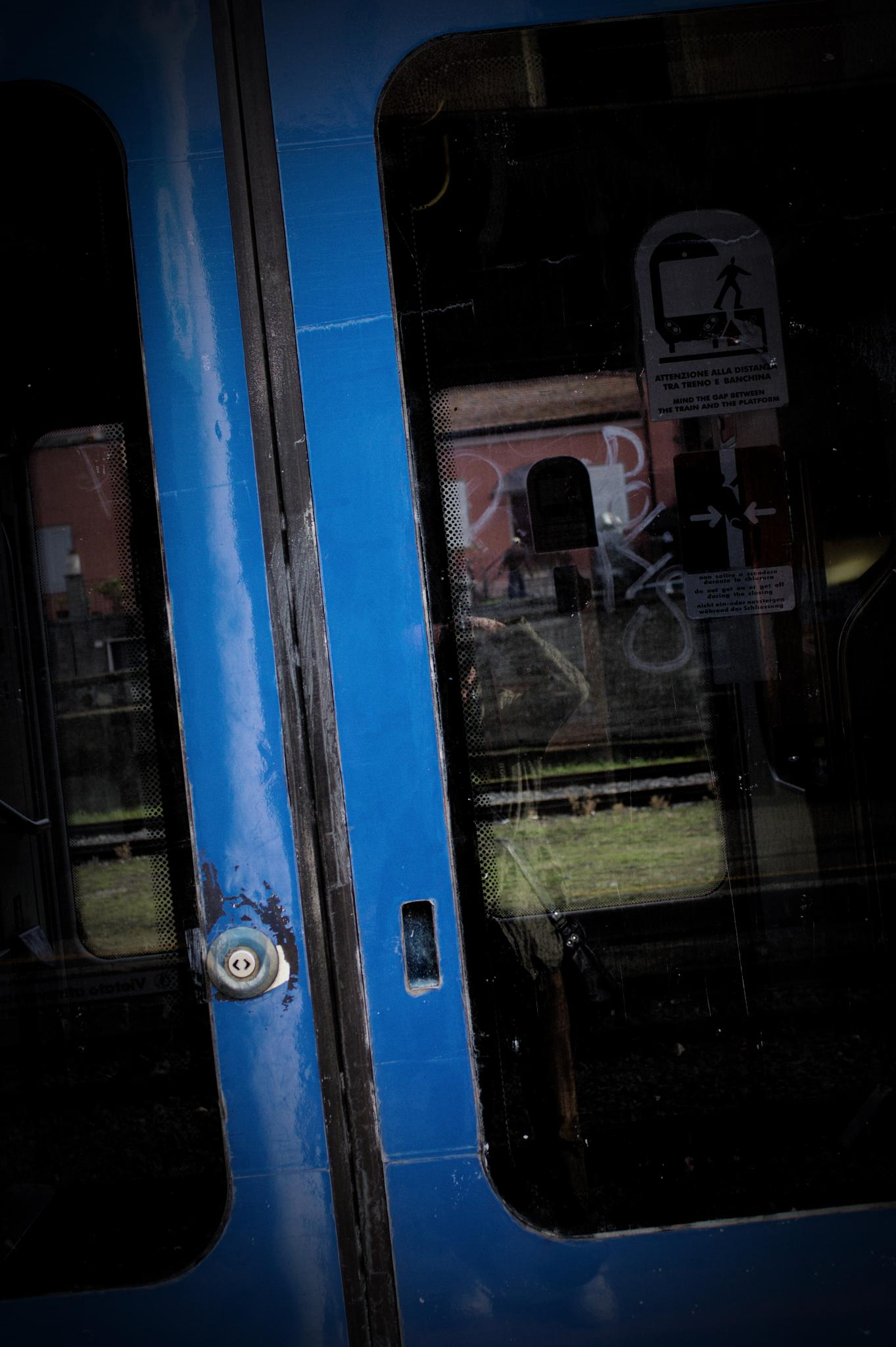 SLIDING DOORS by claudio cavaliere