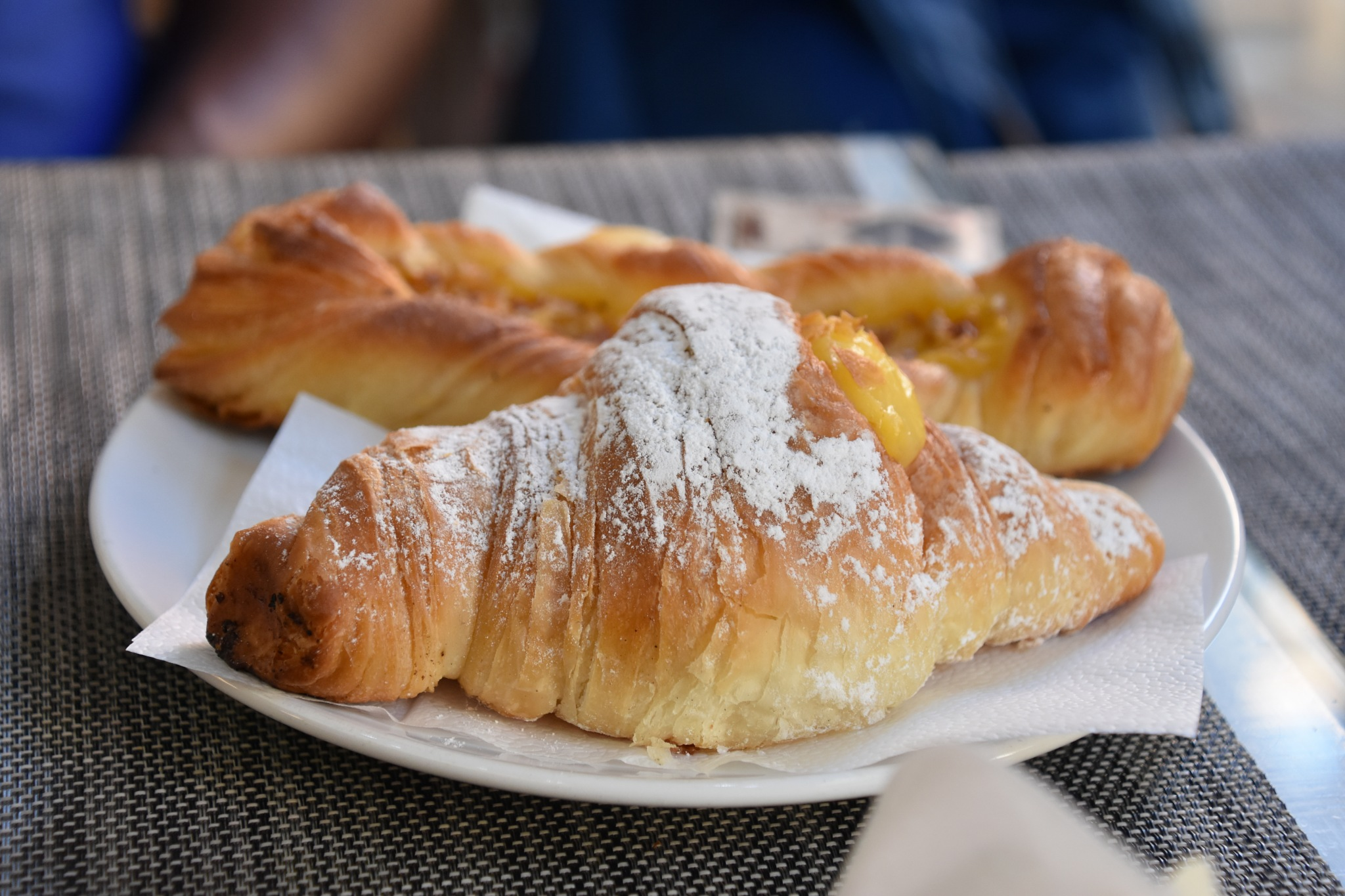 Croissant with icing sugar by og_IMX