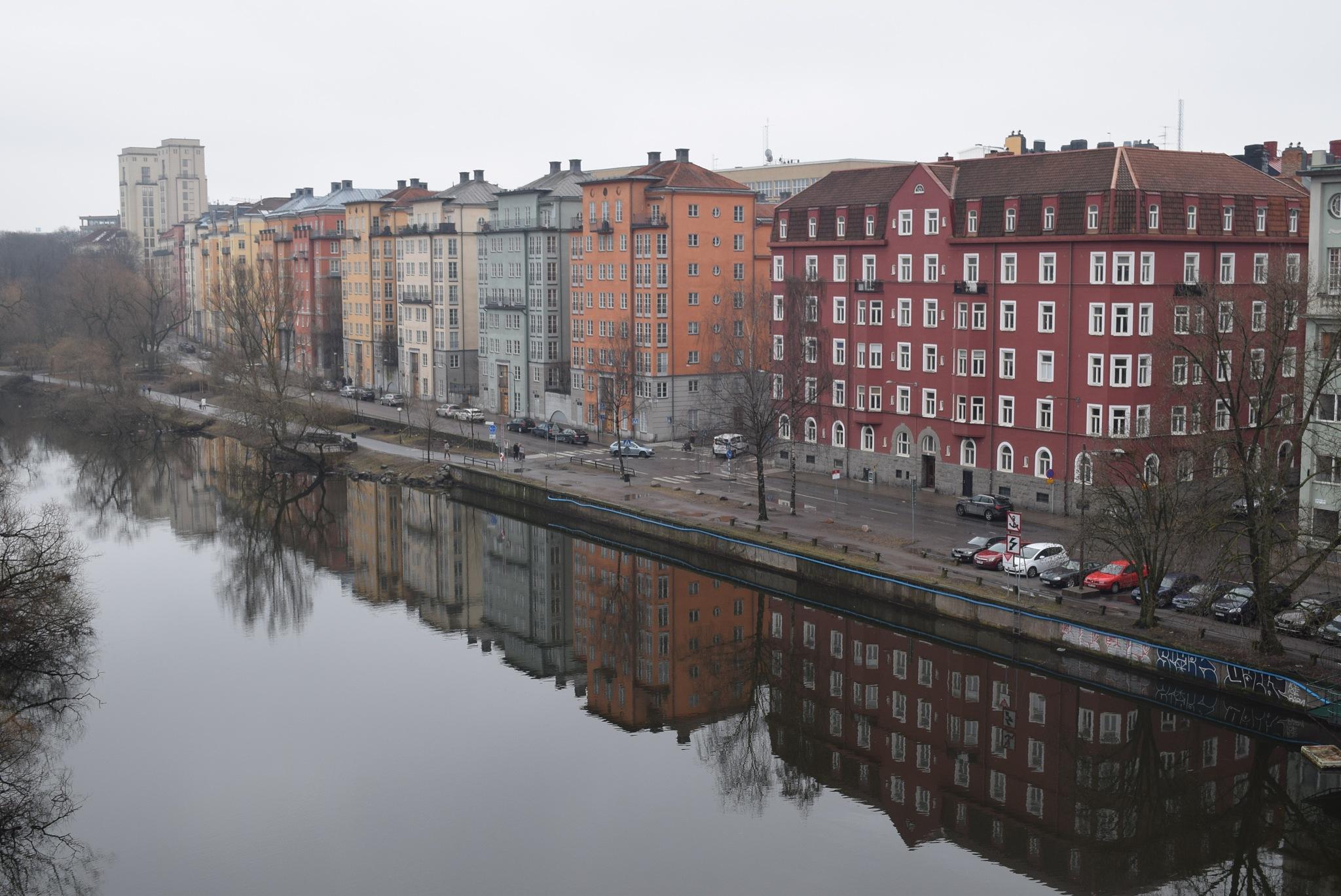 Reflecting upon the reflections by Valeria Milova