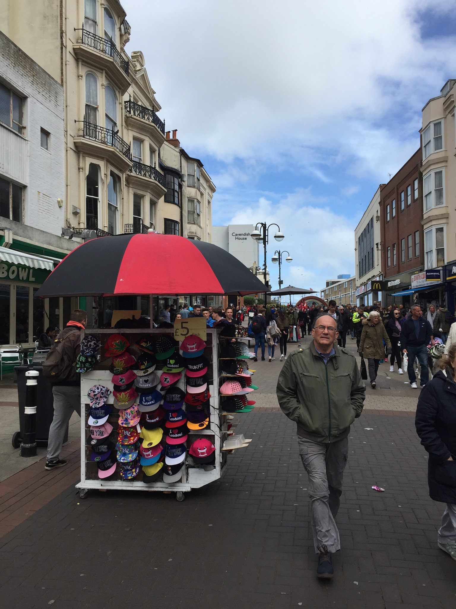 Hastings Town Centre  by KurdSpring