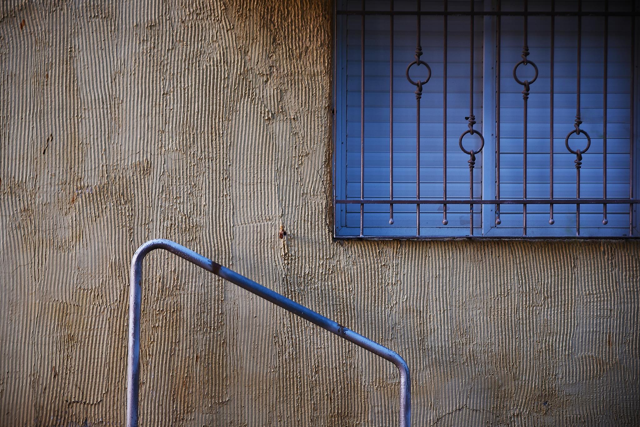 Minimal Blue by Moshe Harosh