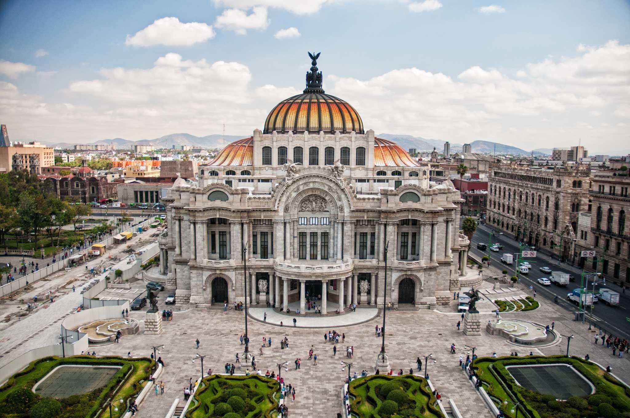 Palacio de Bellas Artes by Gabo Romero