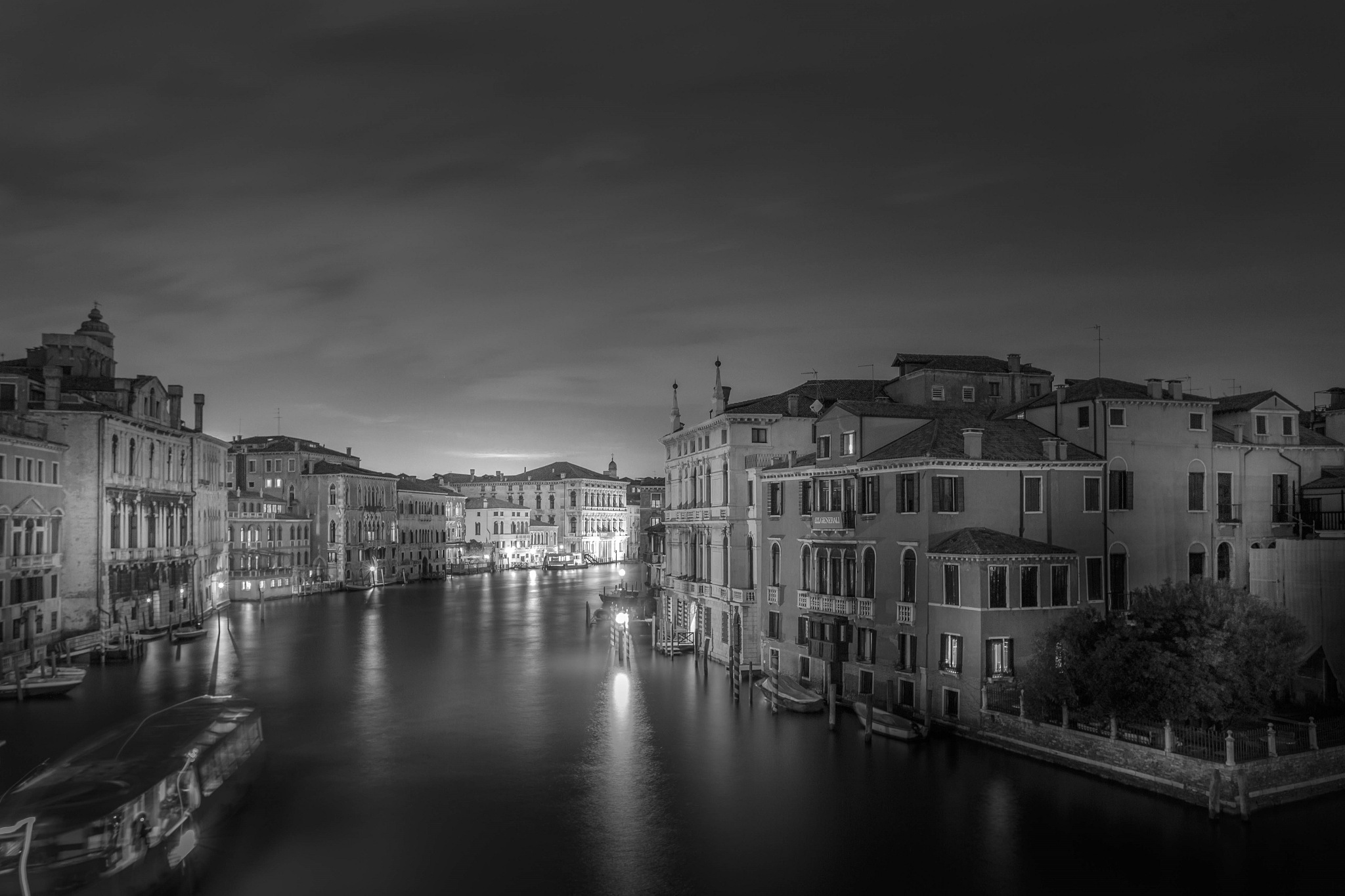 Darkness falls on the Grand canal by BlueMax Photography