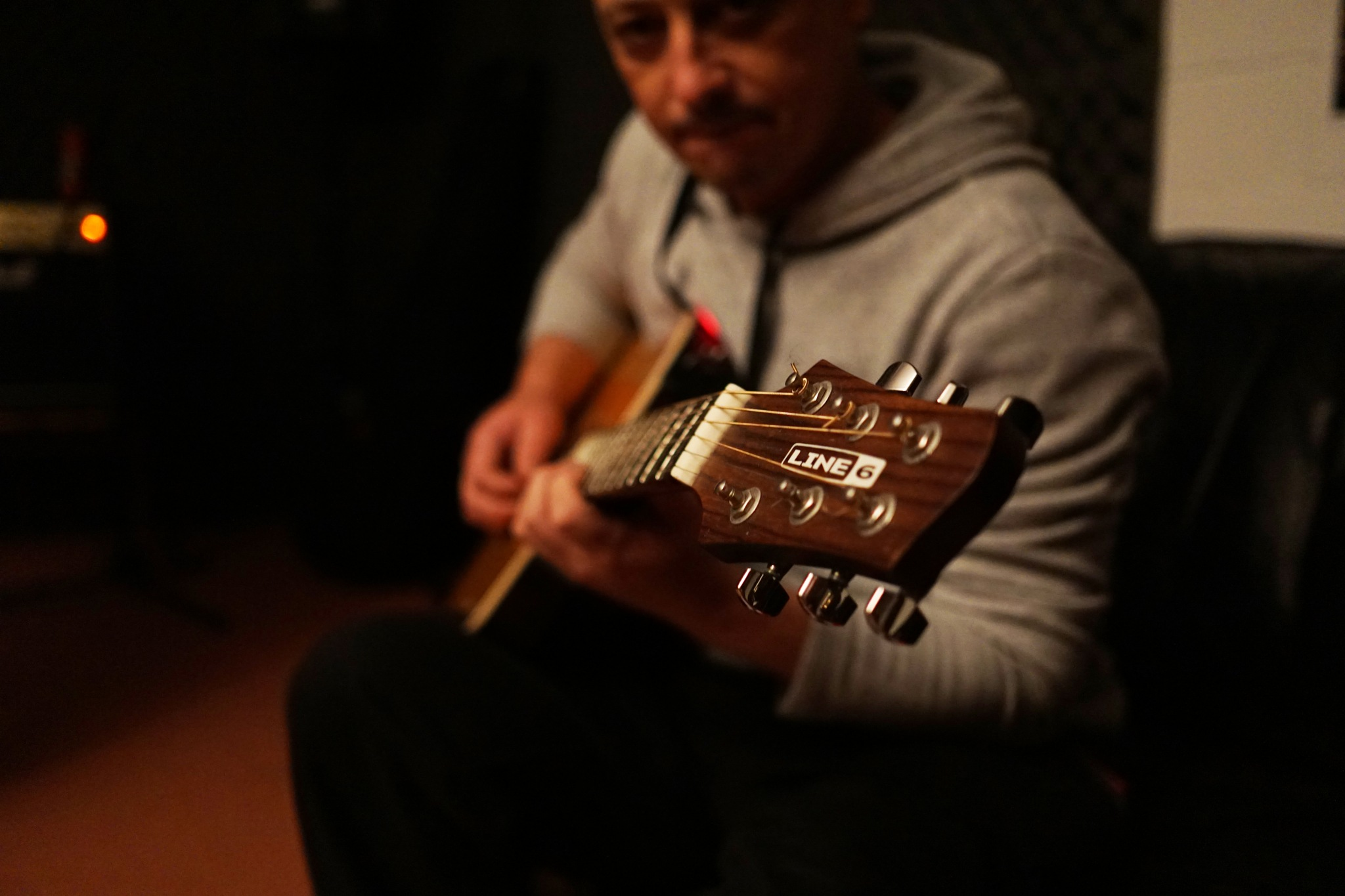 The Guitarist by Simon Stoll