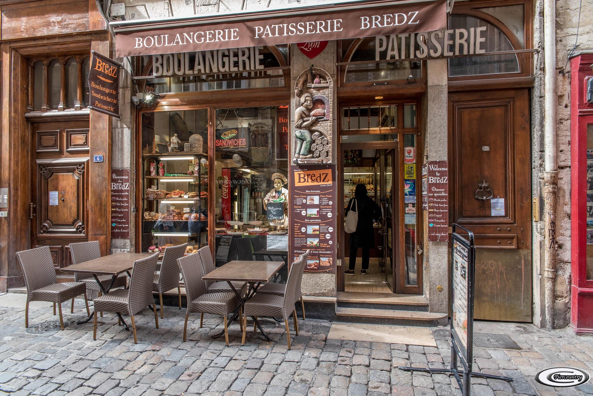 Au hasard des rue à Lyon by Piercountry