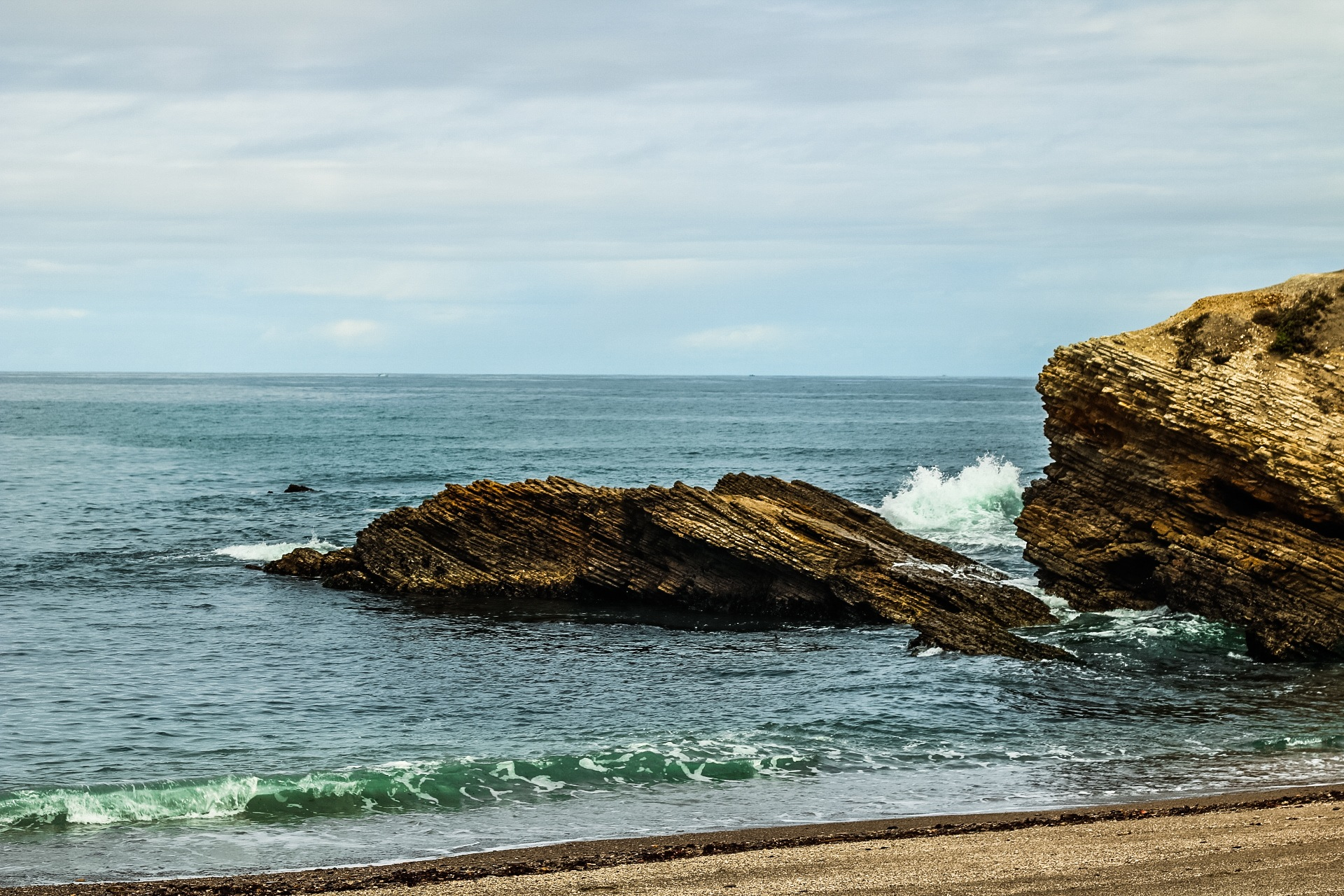 Small waves at Montana de Oro by Ted Fletcher