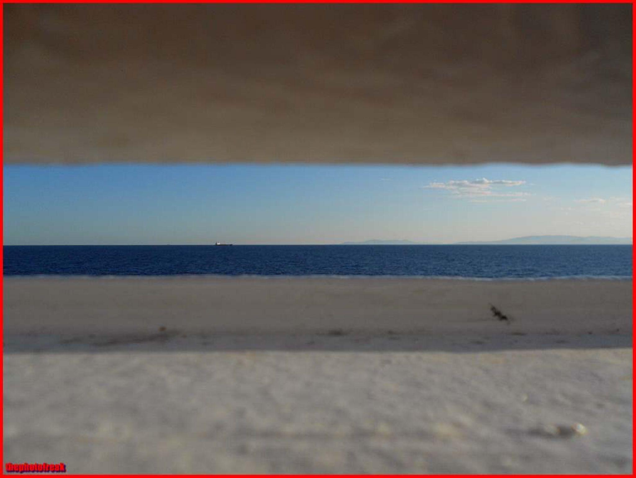 ''στενός'' ορίζοντας... narrow horizon by harrythephotofreak
