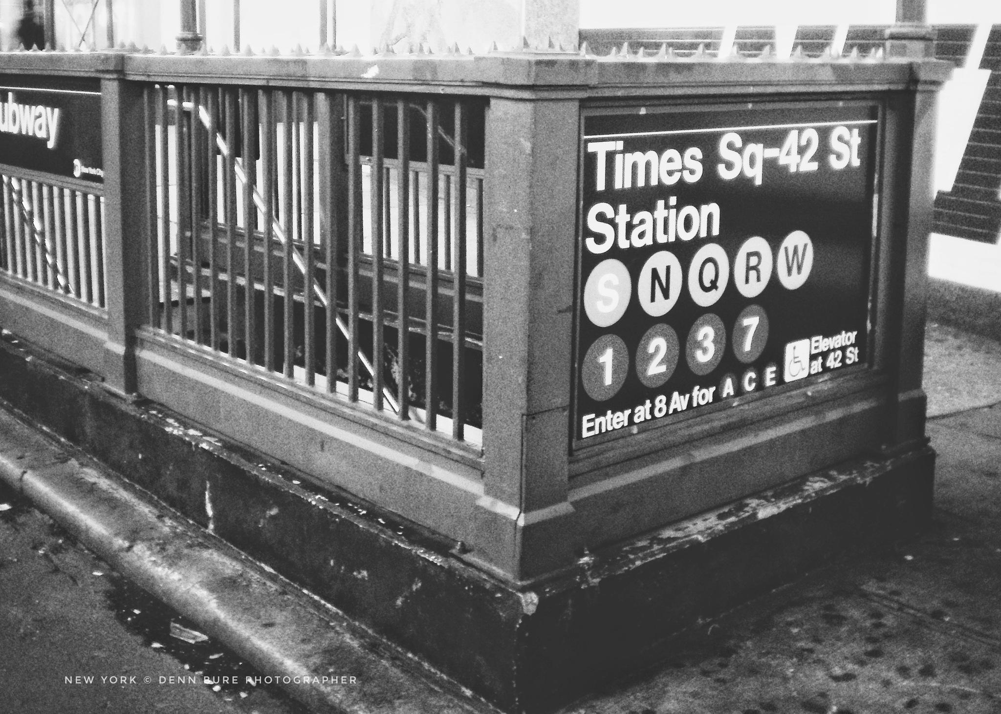Subway. New York  by Denn Bure