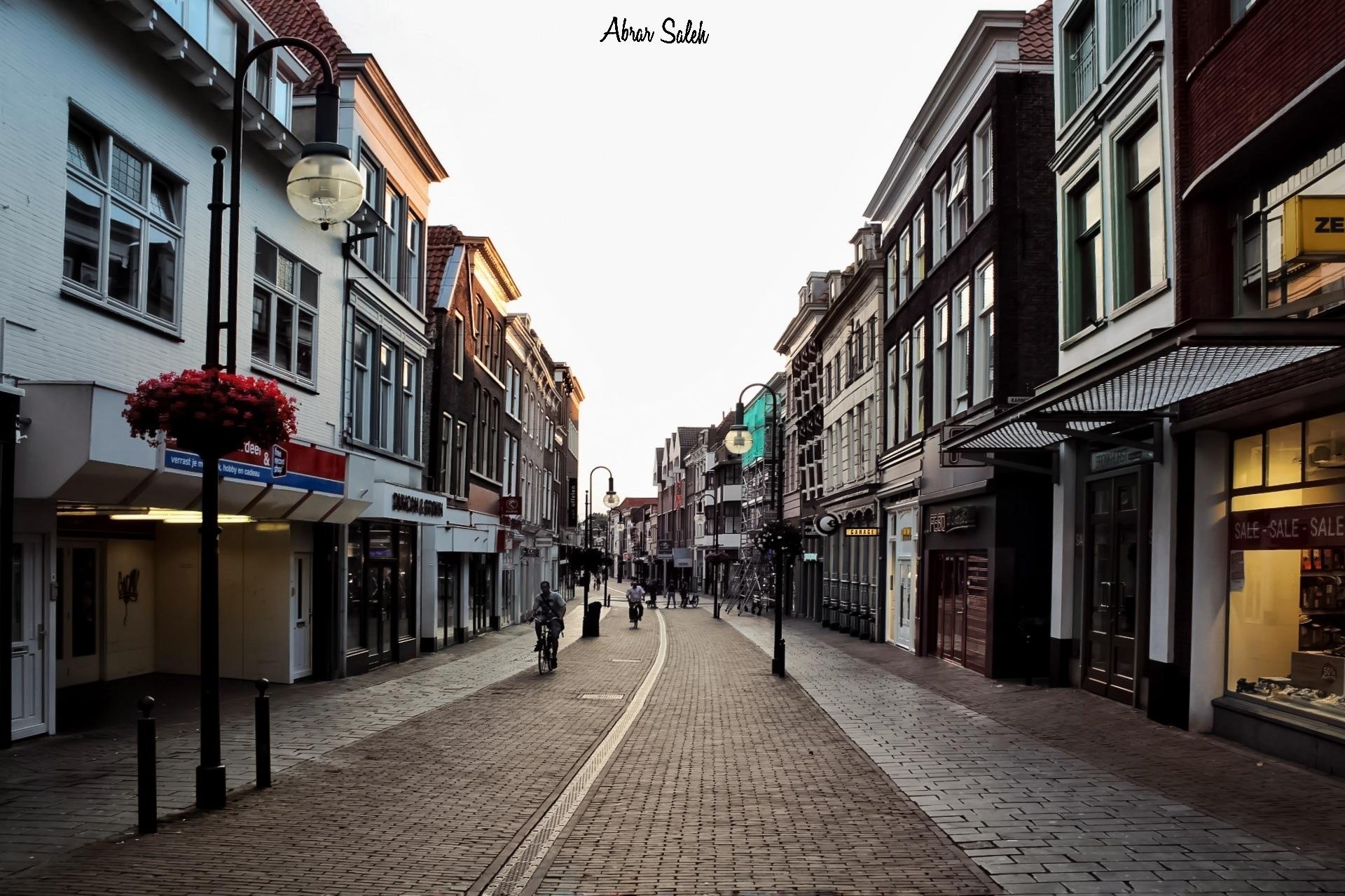 City_old streets / Gorinchem_Netherlands / Canon_1300D / 18-55mm by Abrar Saleh