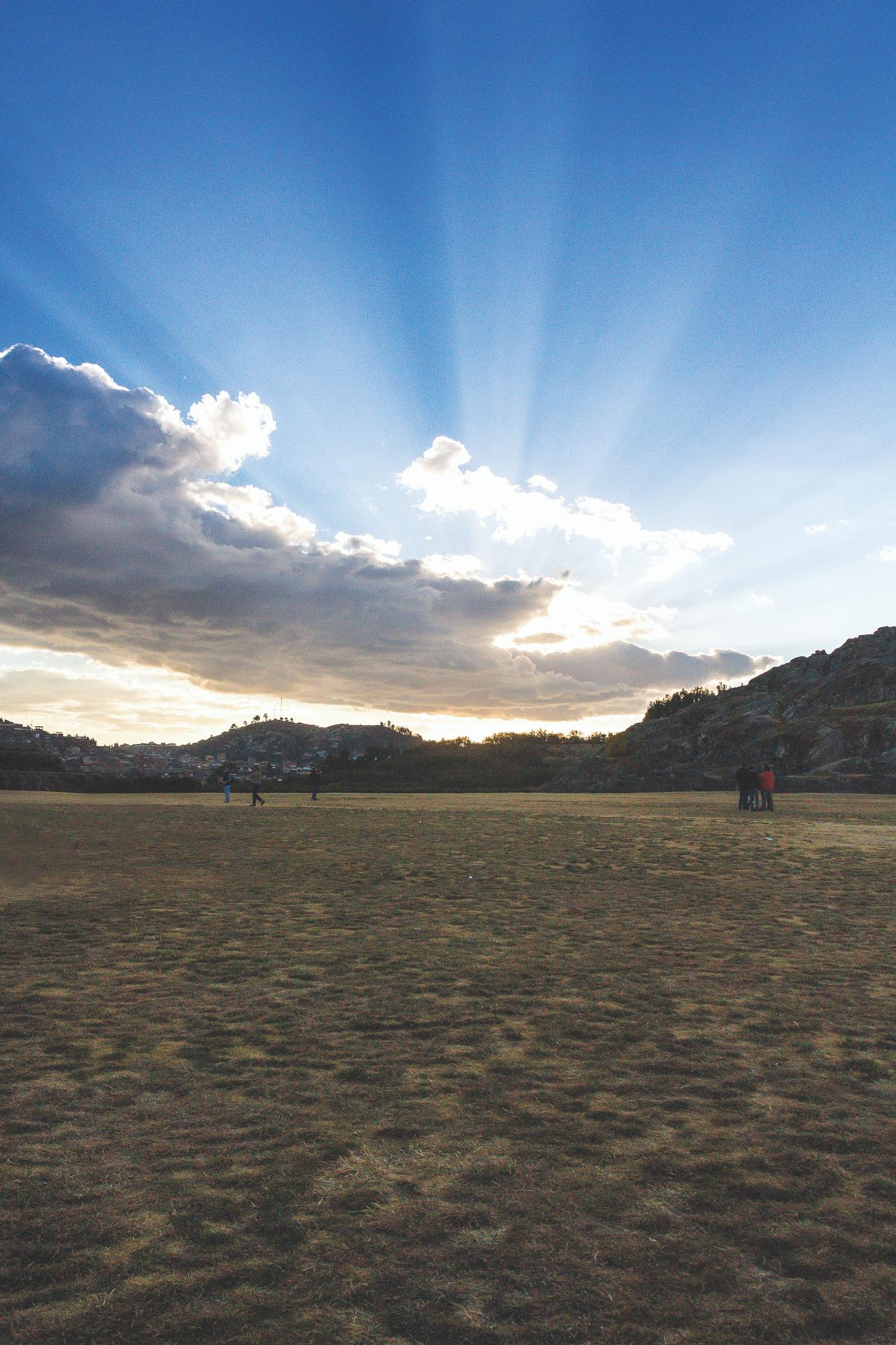 Atardecer en Sacsayhuaman by Walter Coz Farje