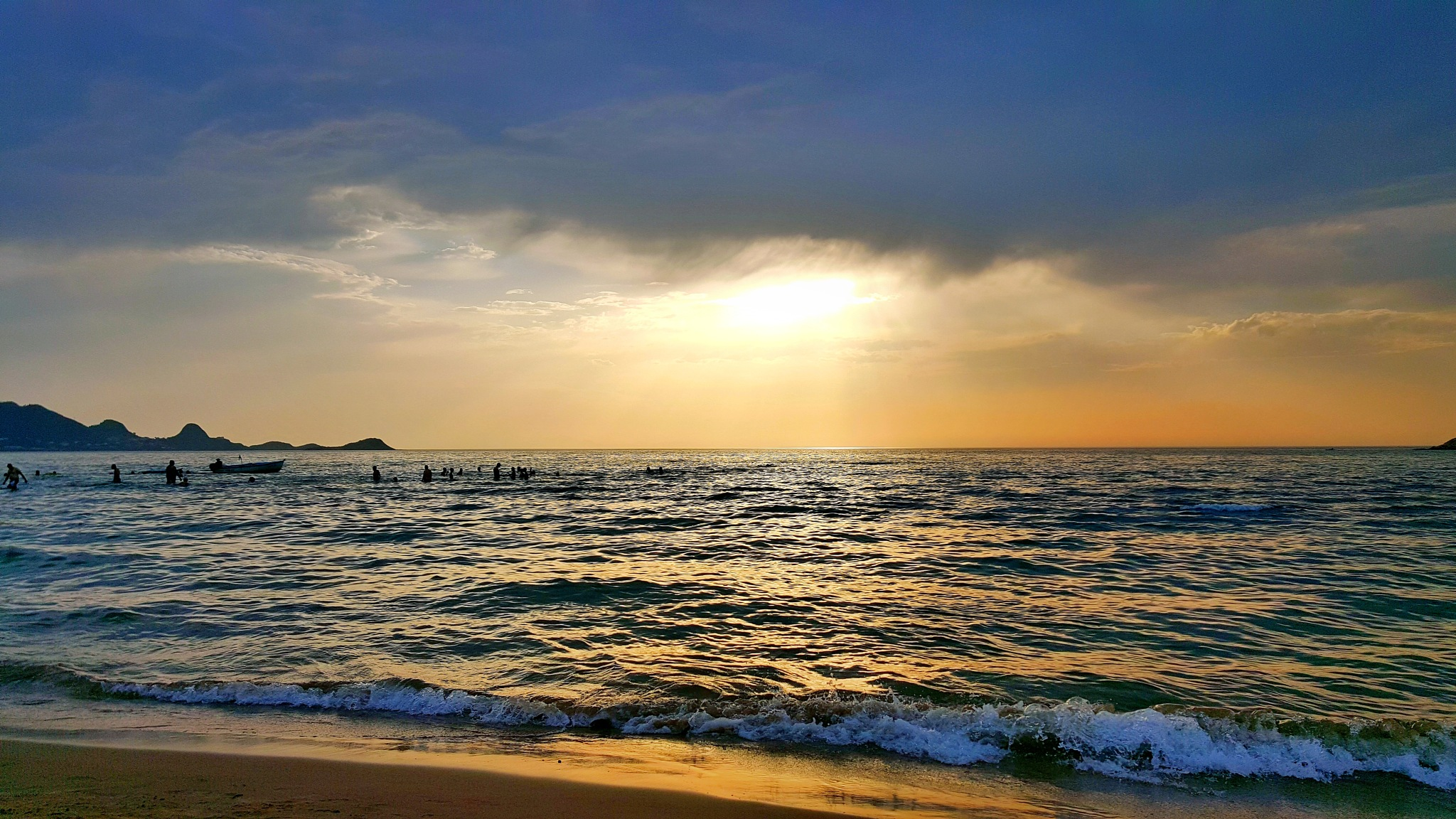 sea sunset by zakaria sadouni