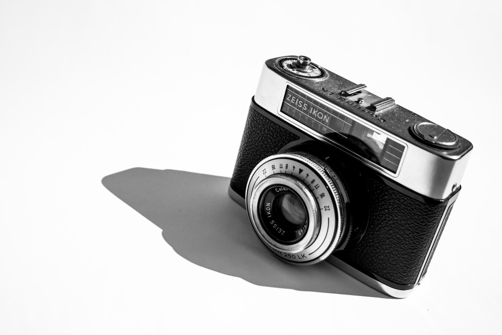 Oldskool Camera by smitjets