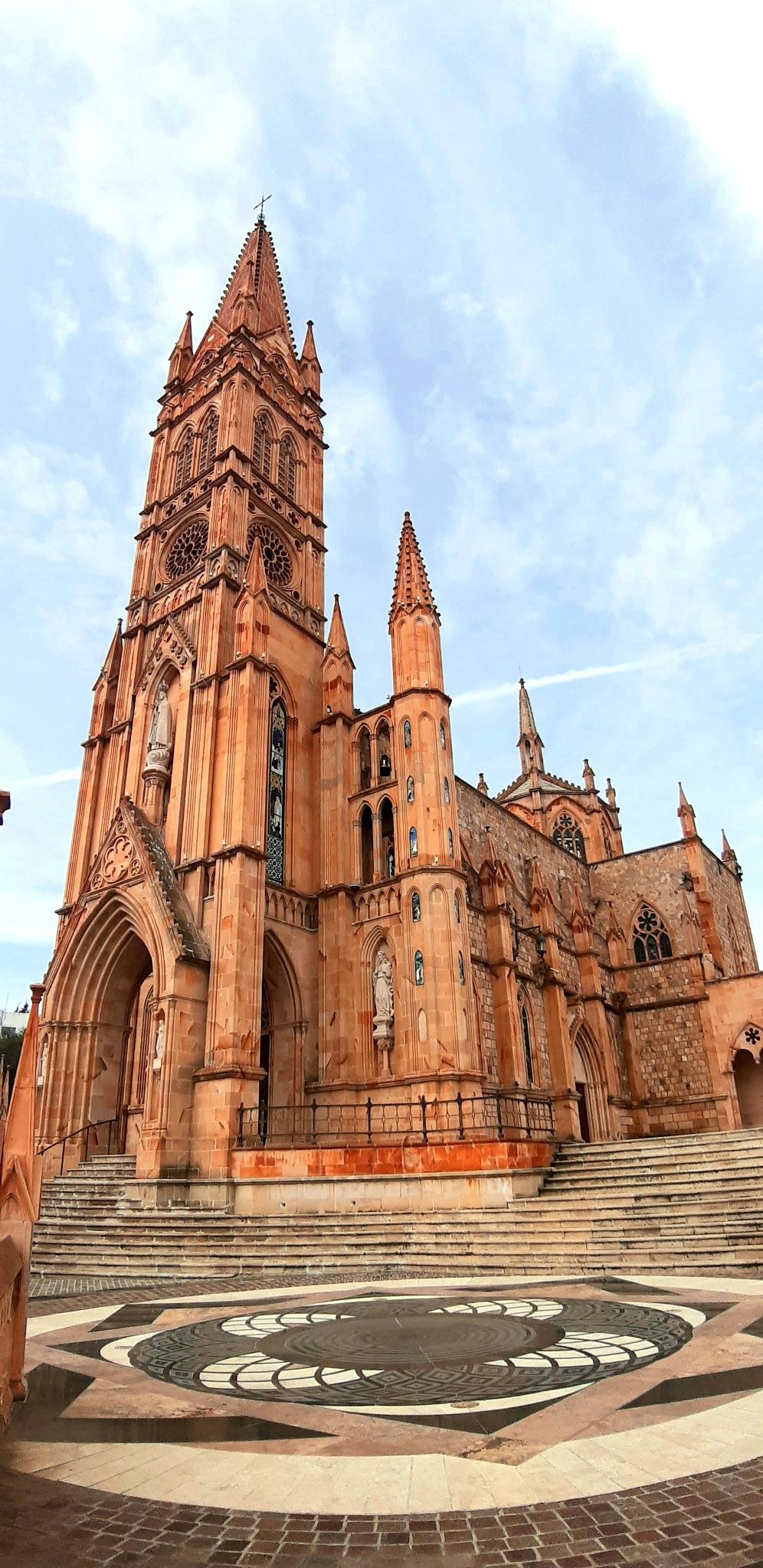 Catedral Nuestra señora de Fátima.  by Silvio Vargas