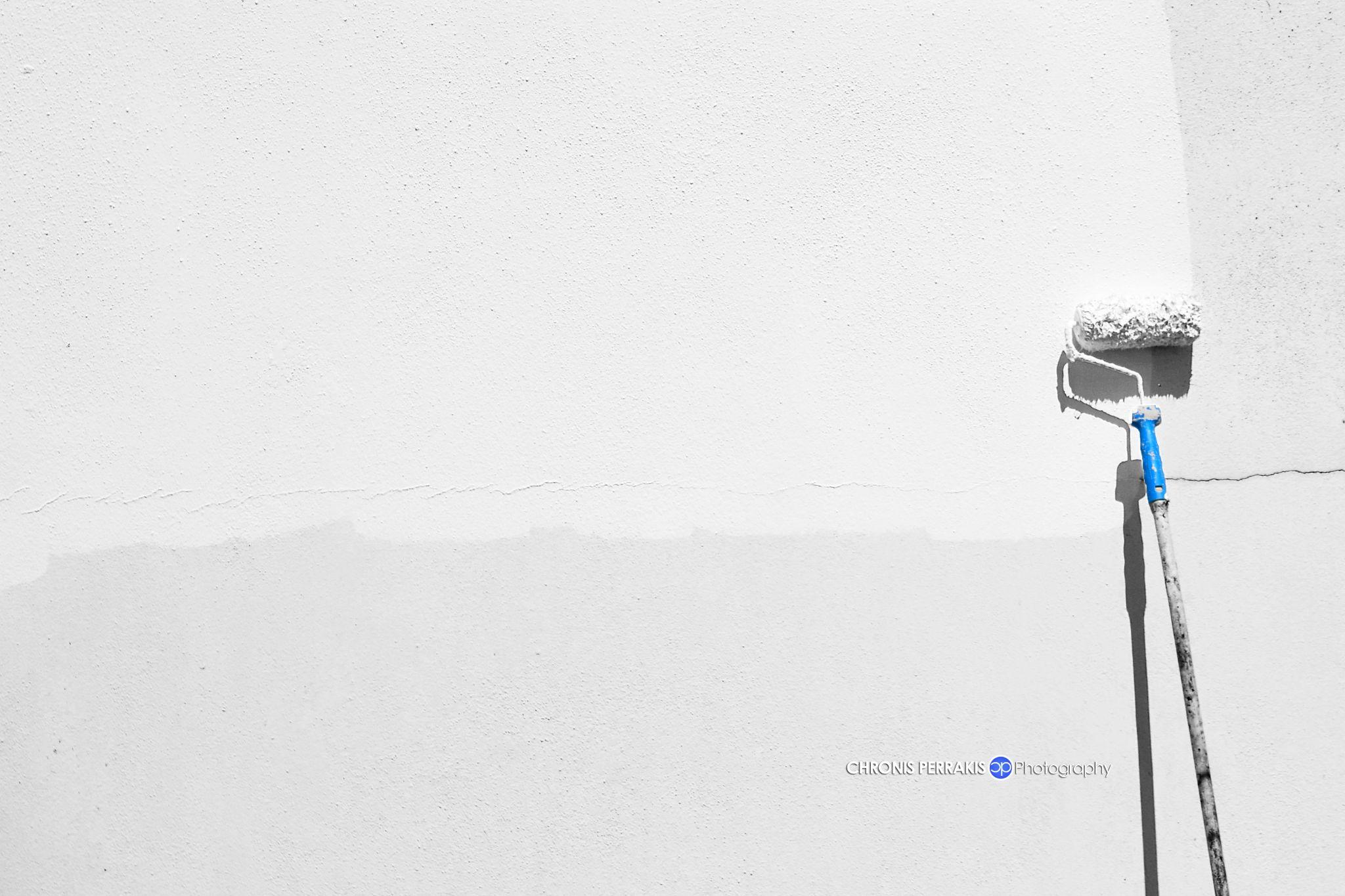 Minimal by Chronis Perrakis