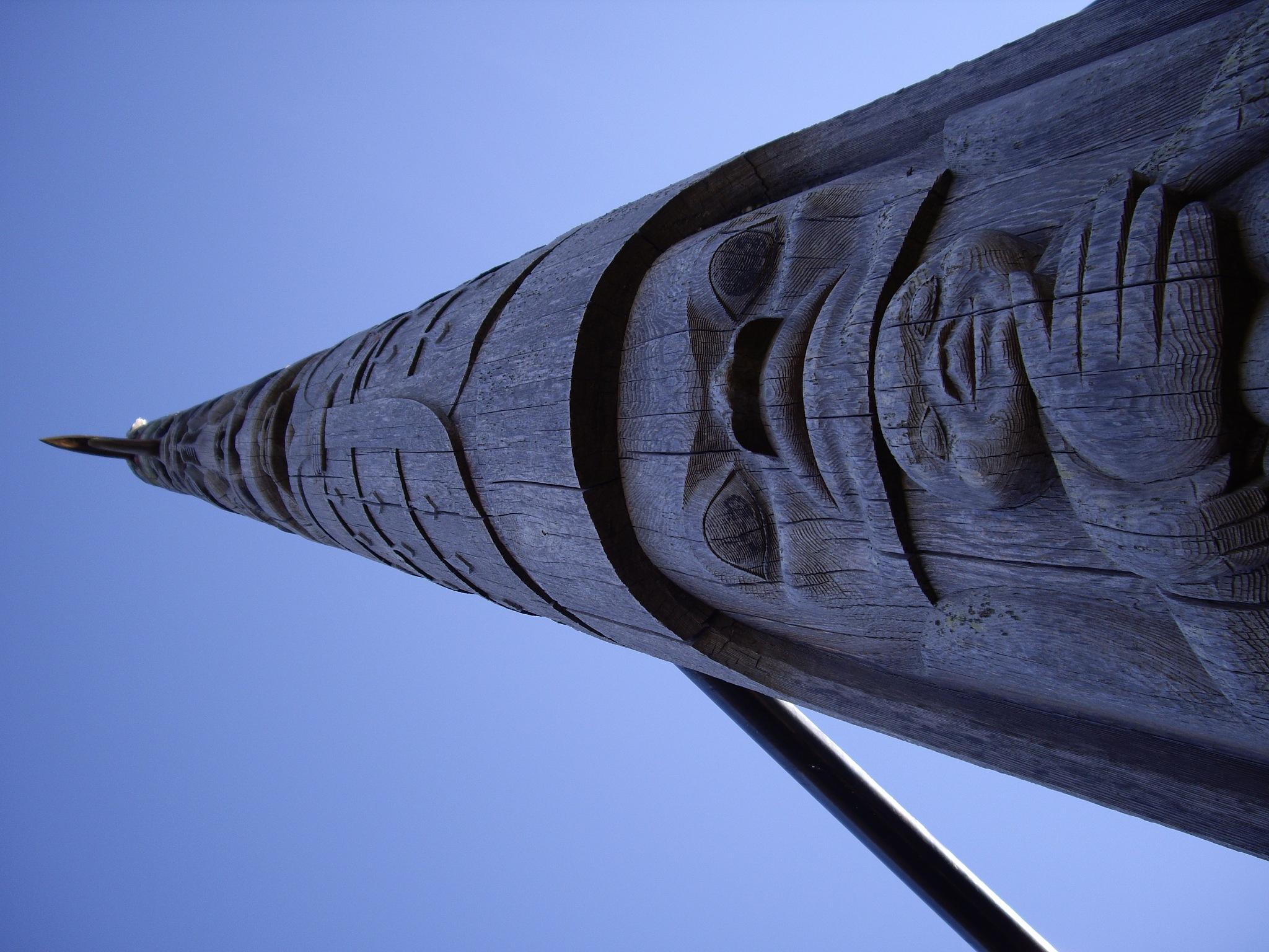 Songhees Totem Pole by Daniel Keeran