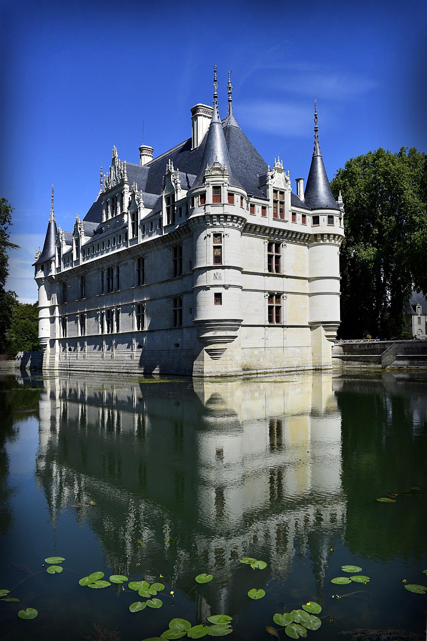 Château d'Azay-le-Rideau by Monika Swadowska