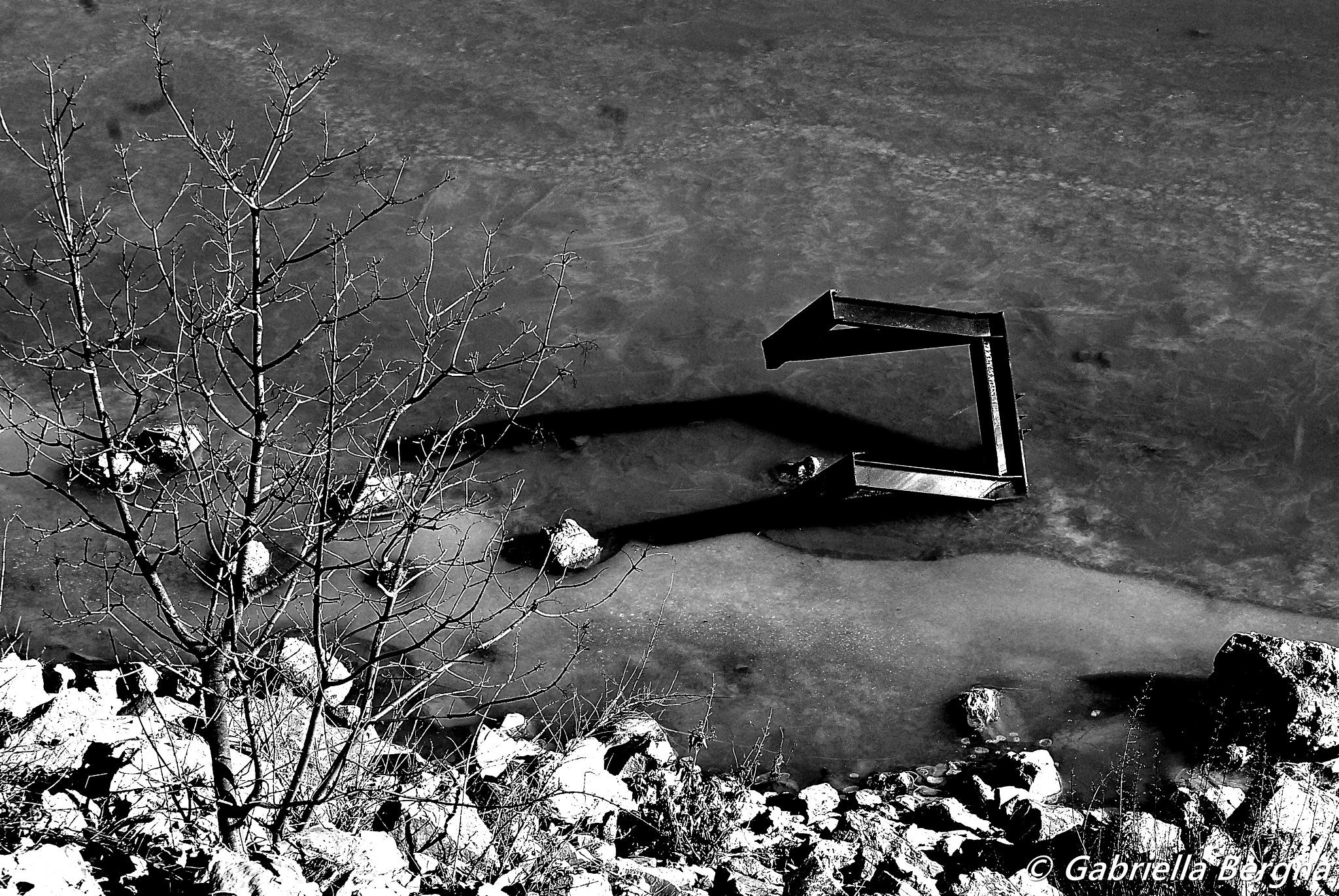 Musical Note Shadow by Gabriella Bergna