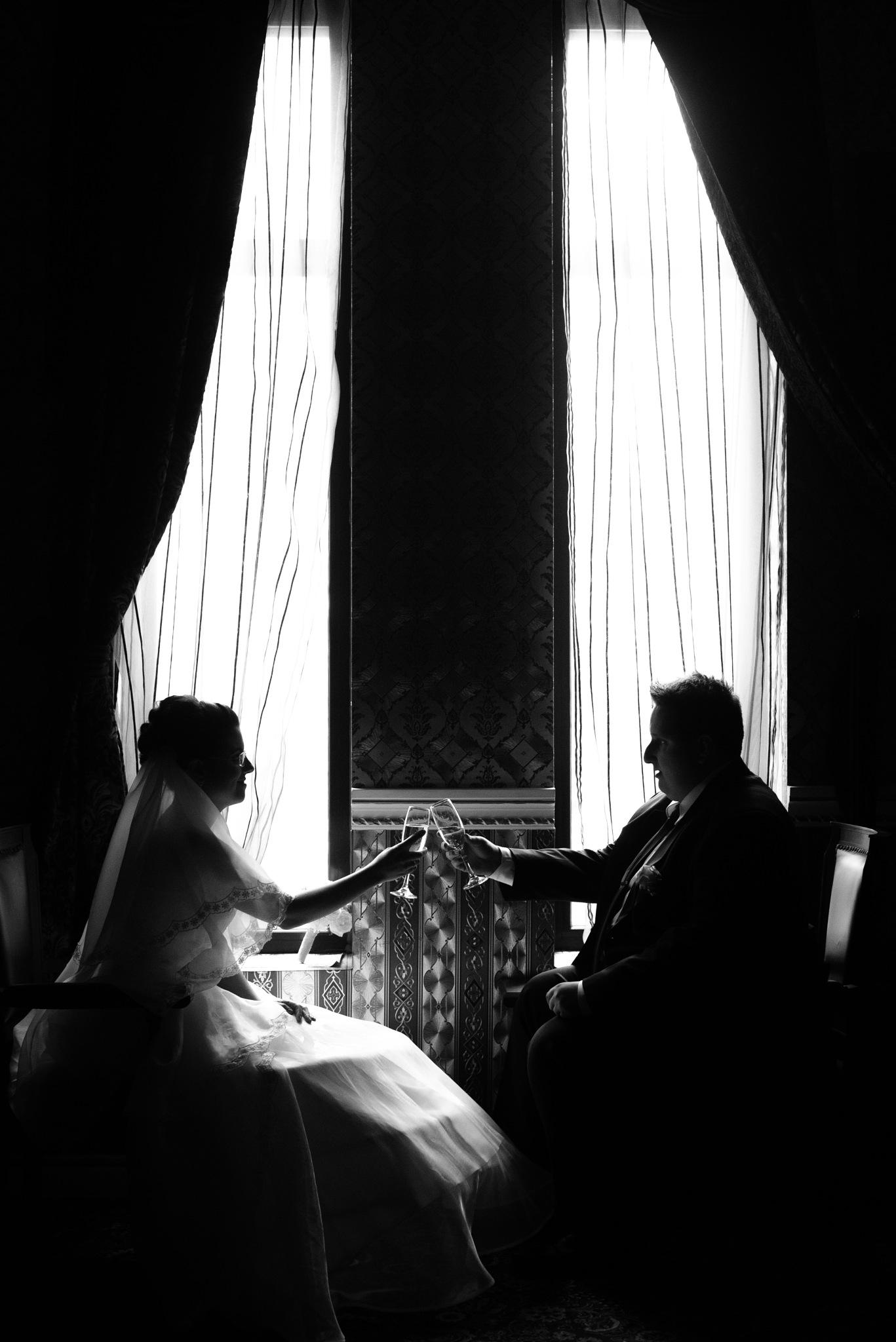 The wedding couple silhouette by Vili Pefticheva