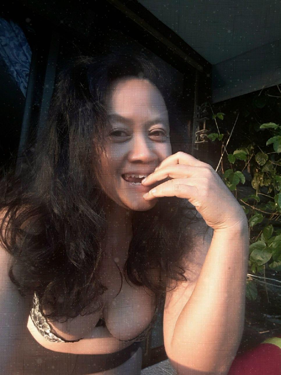 Just woman*^* by Kanittha Sritipeng