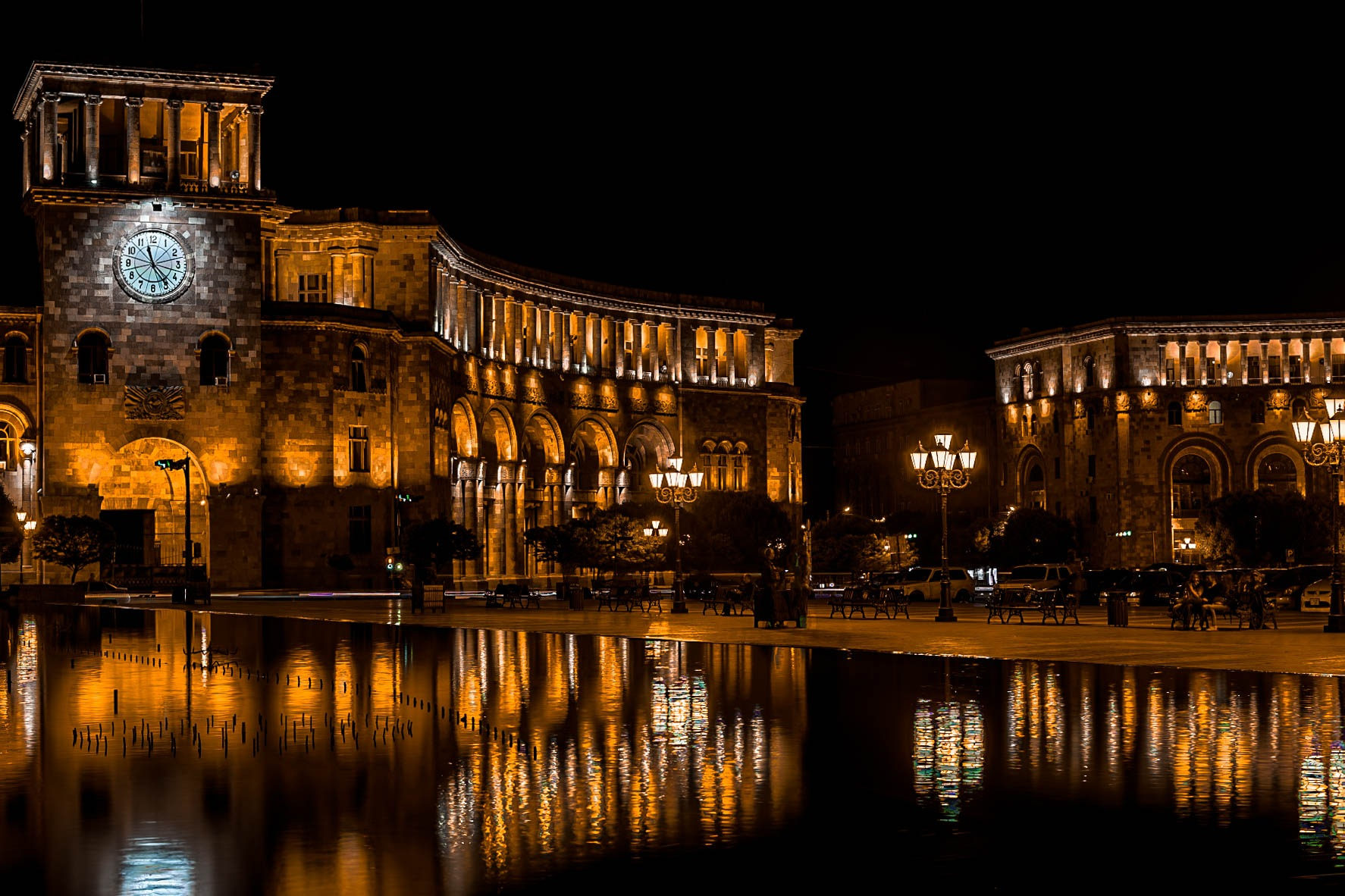 The square of Yerevan at night. by varderesyan