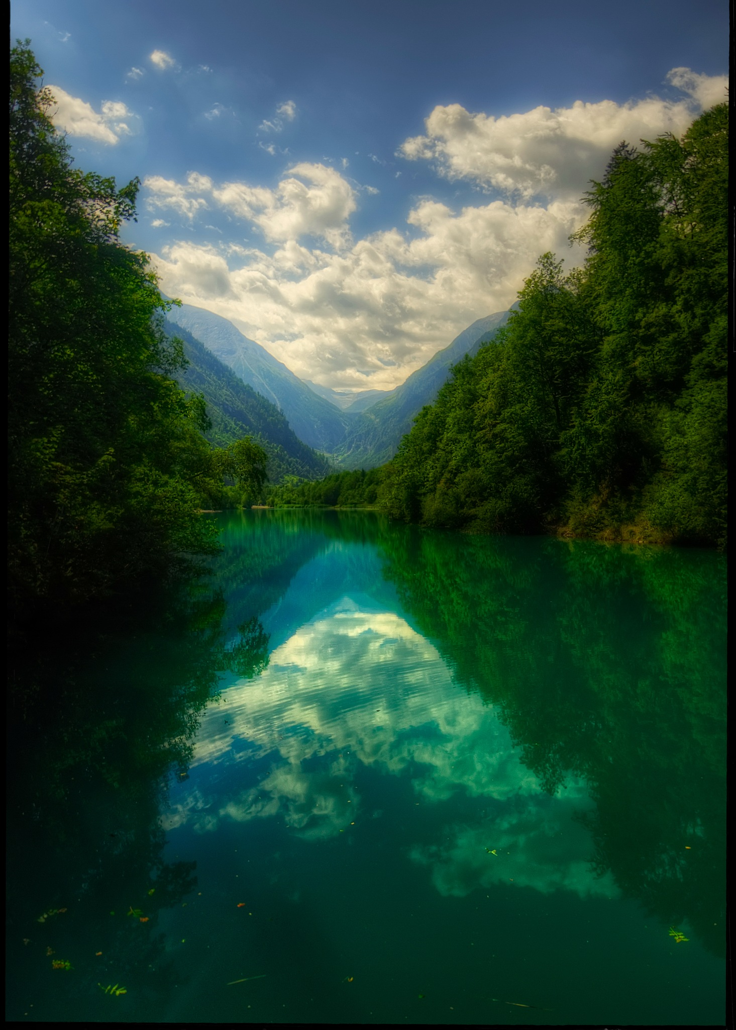 lake symetry by Petricek