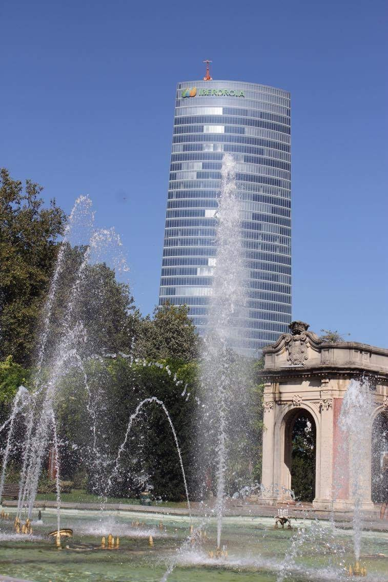 Tour & fontaine by lolo35