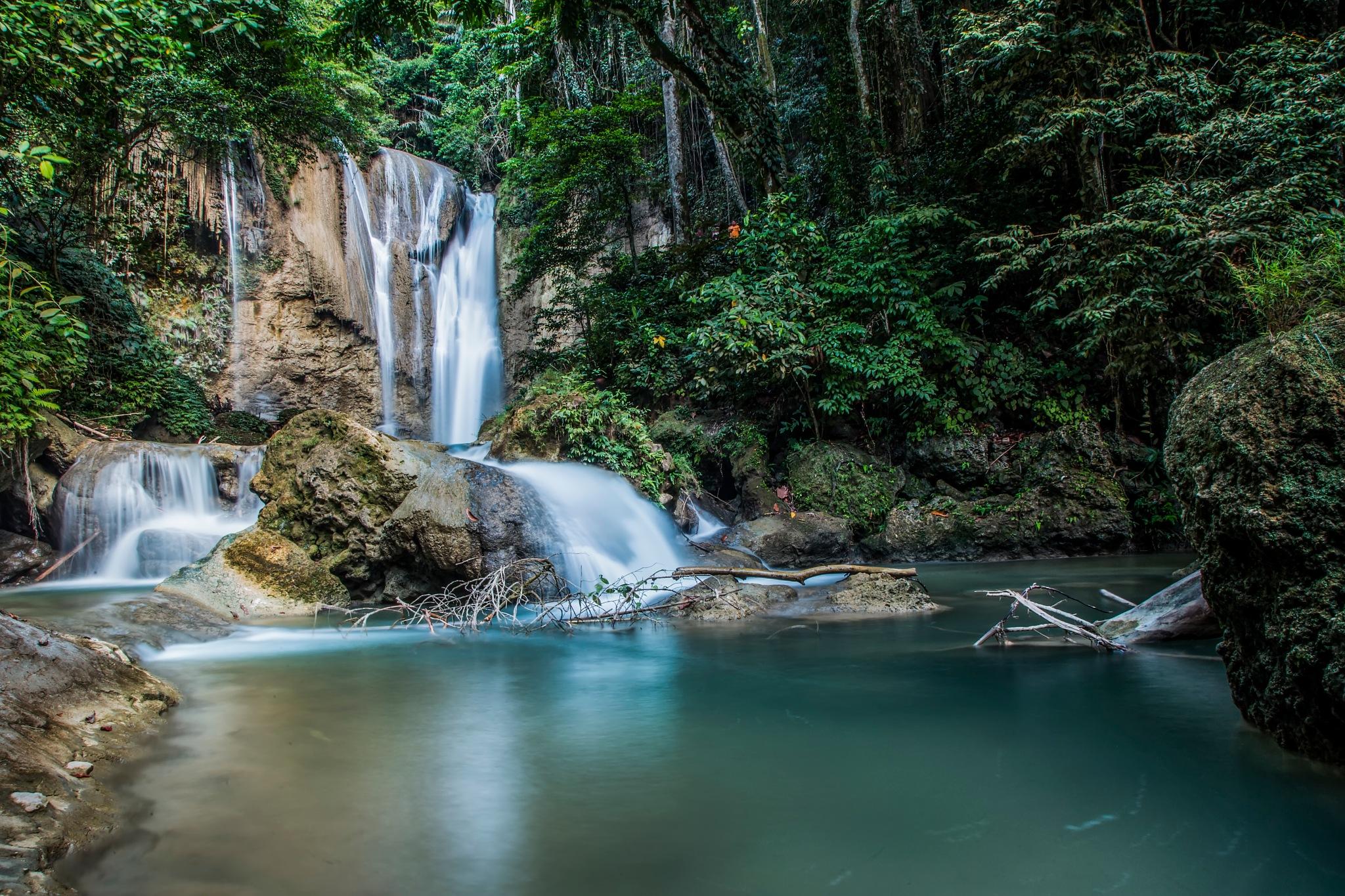 "Waterfall ""Ladenring"" District Soppeng by Yosua Mozes"