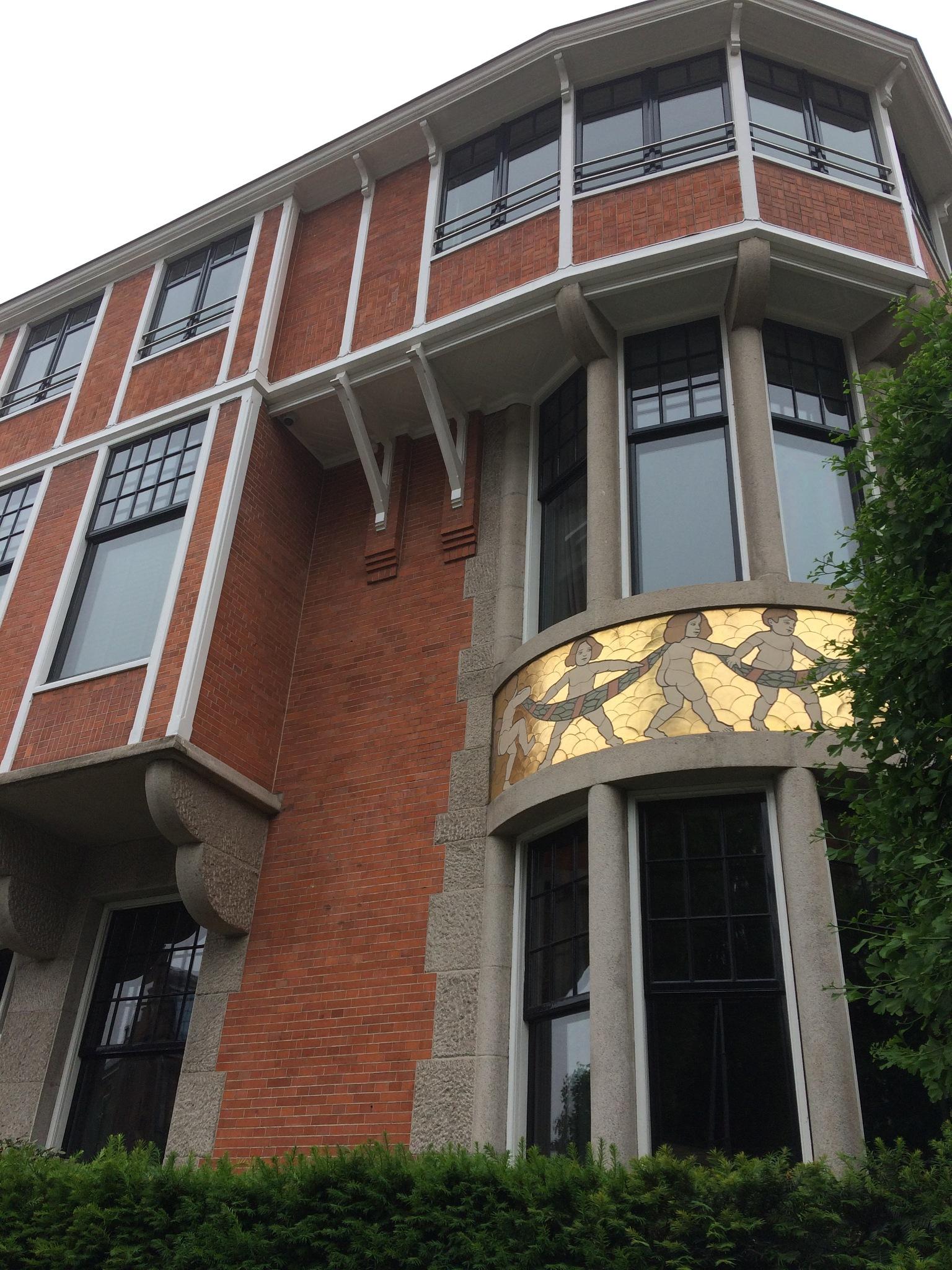 Bâtiment Art Déco à Amsterdam by Silvia Mengotti